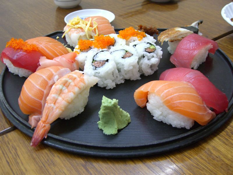 File:Sushi Deluxe at Sushi Ten.jpg