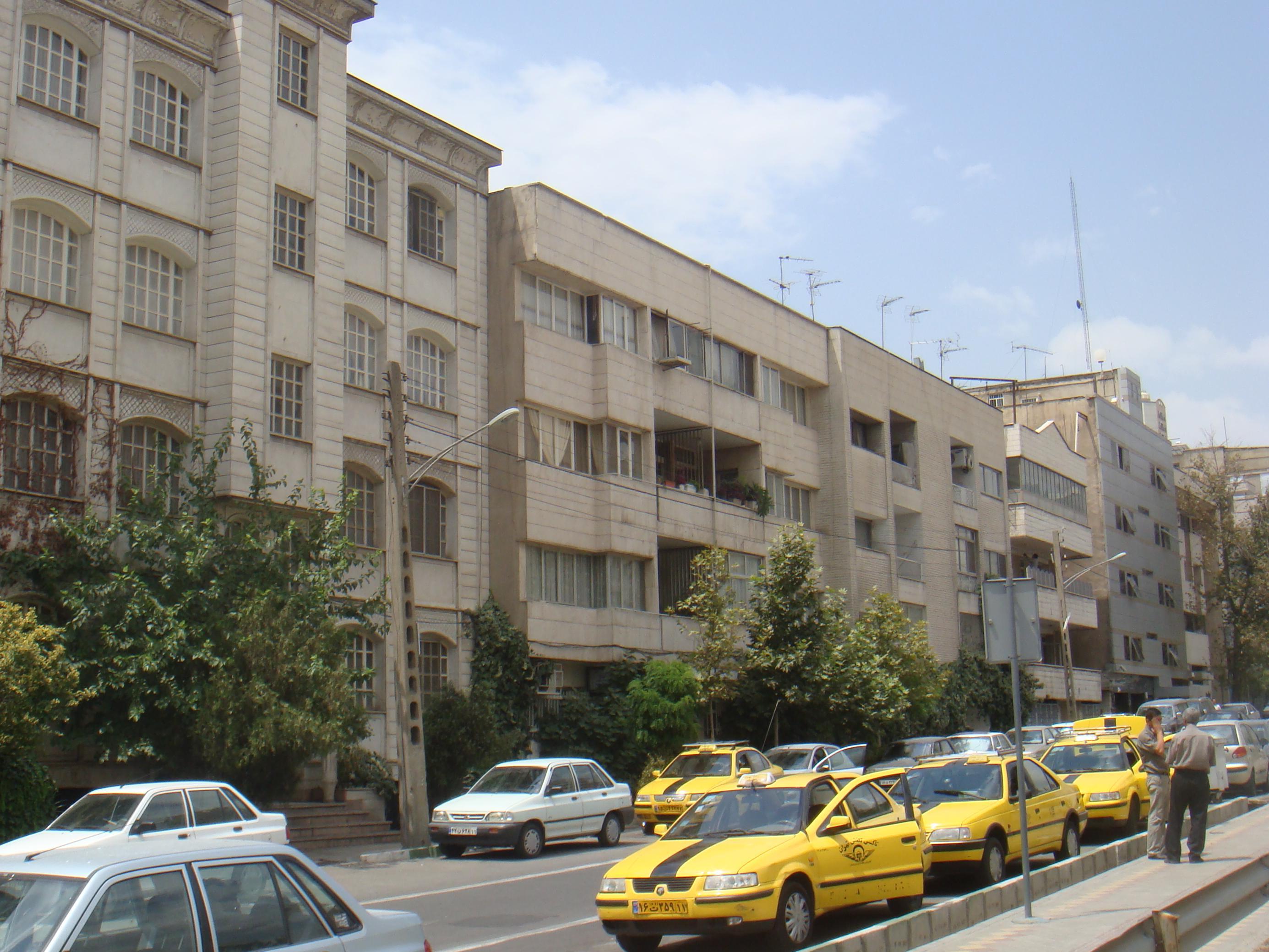 Description Taxi in Tehran.jpg