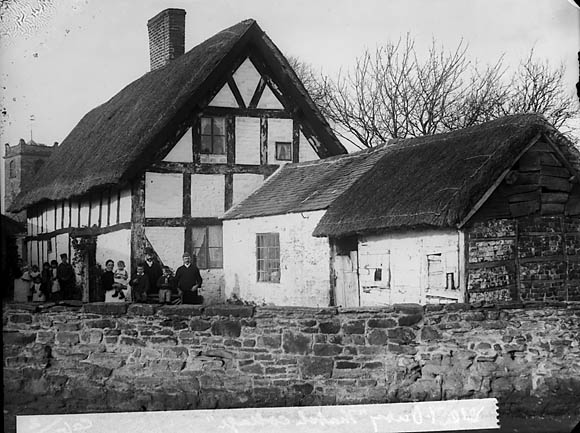 Thatched house, Westbury (Salop)