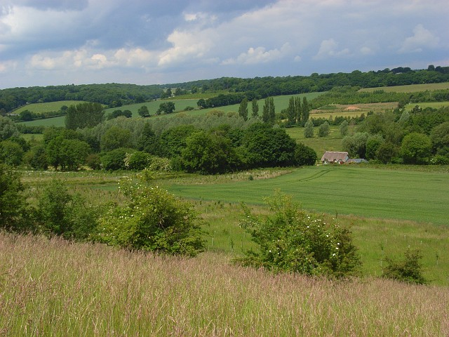 The Kennet valley, Ramsbury - geograph.org.uk - 857312