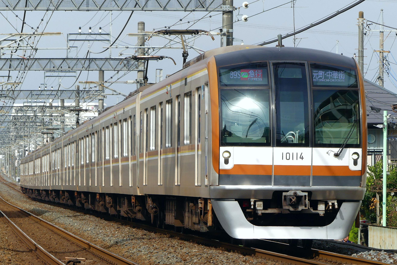 東京メトロ10000系電車 - Wikipedia