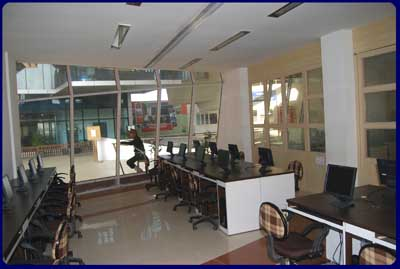 VIT computer center.jpg English: Computer Center in Vidyalankar Institute of Technology, Mumbai, India Date Source Own work Author Shravan.Iyer