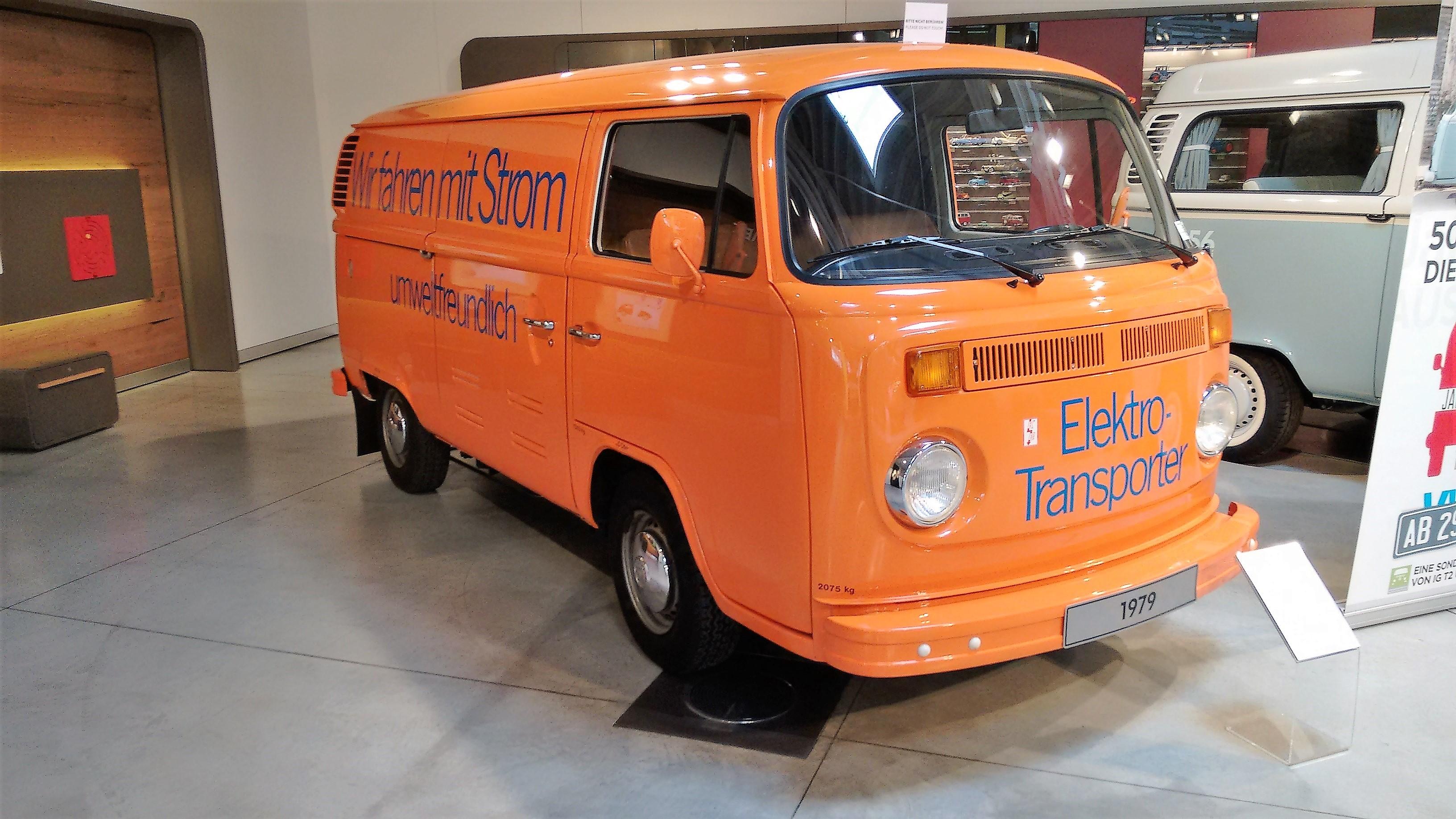 VW_T2-Elektrotransporter_von_1979_im_PS.Speicher_in_Einbeck.jpg