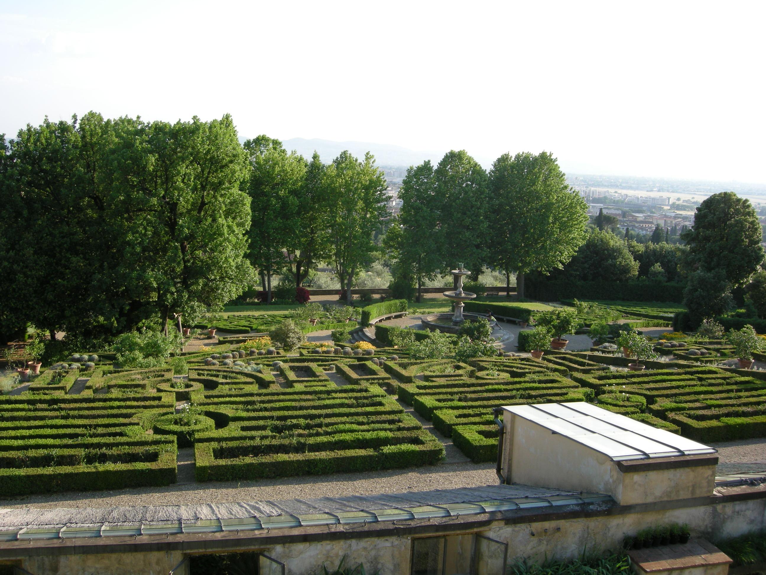 File villa la petraia giardini formali 13 jpg wikimedia for Villa la petraia