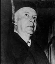 Wallace Stevens at Columbia University on 5 June 1952.jpg