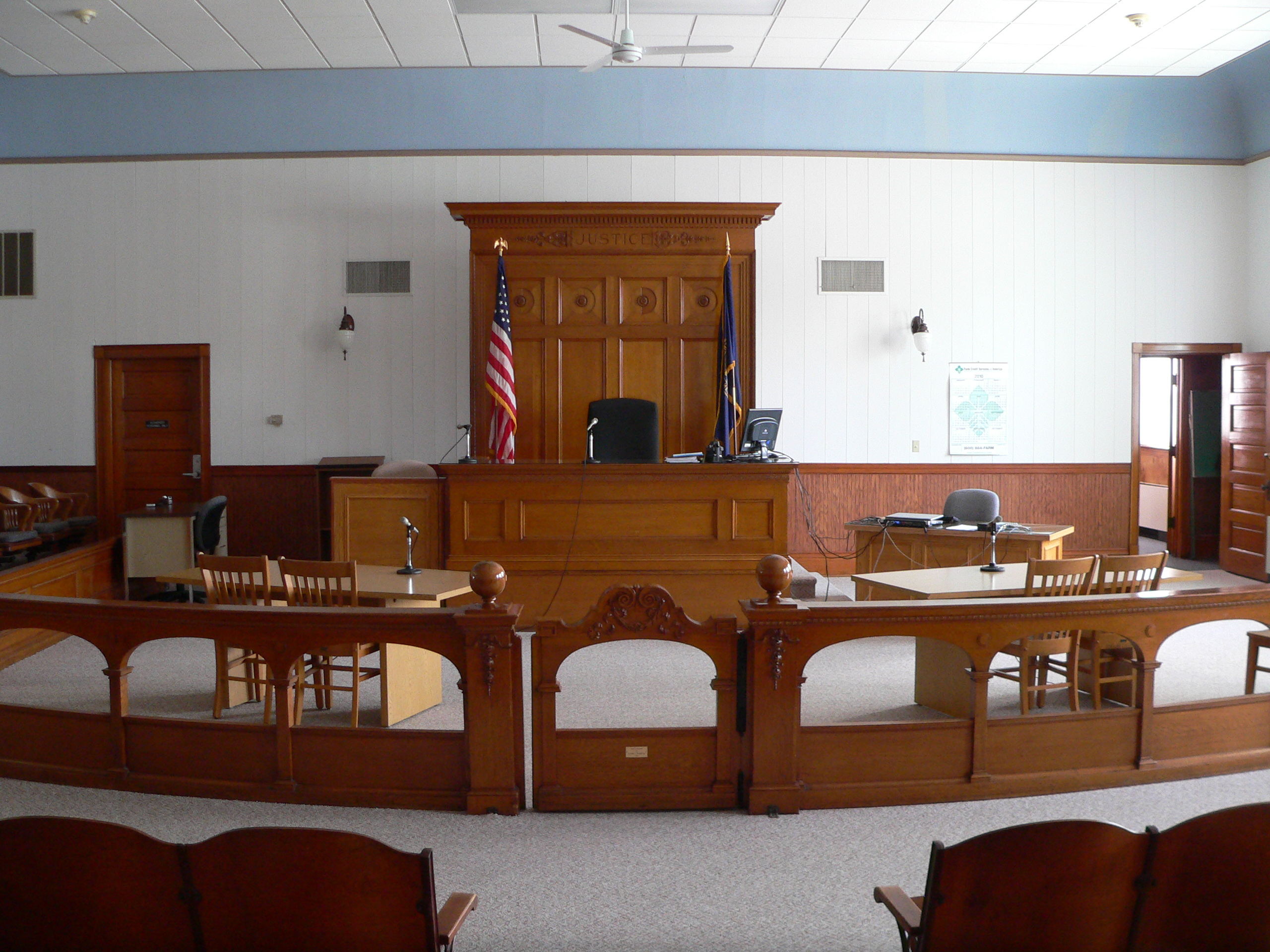 File:Wayne County Courthouse (Nebraska) courtroom 1 JPG