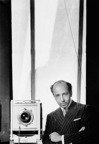 Image of Yousuf Karsh from Wikidata