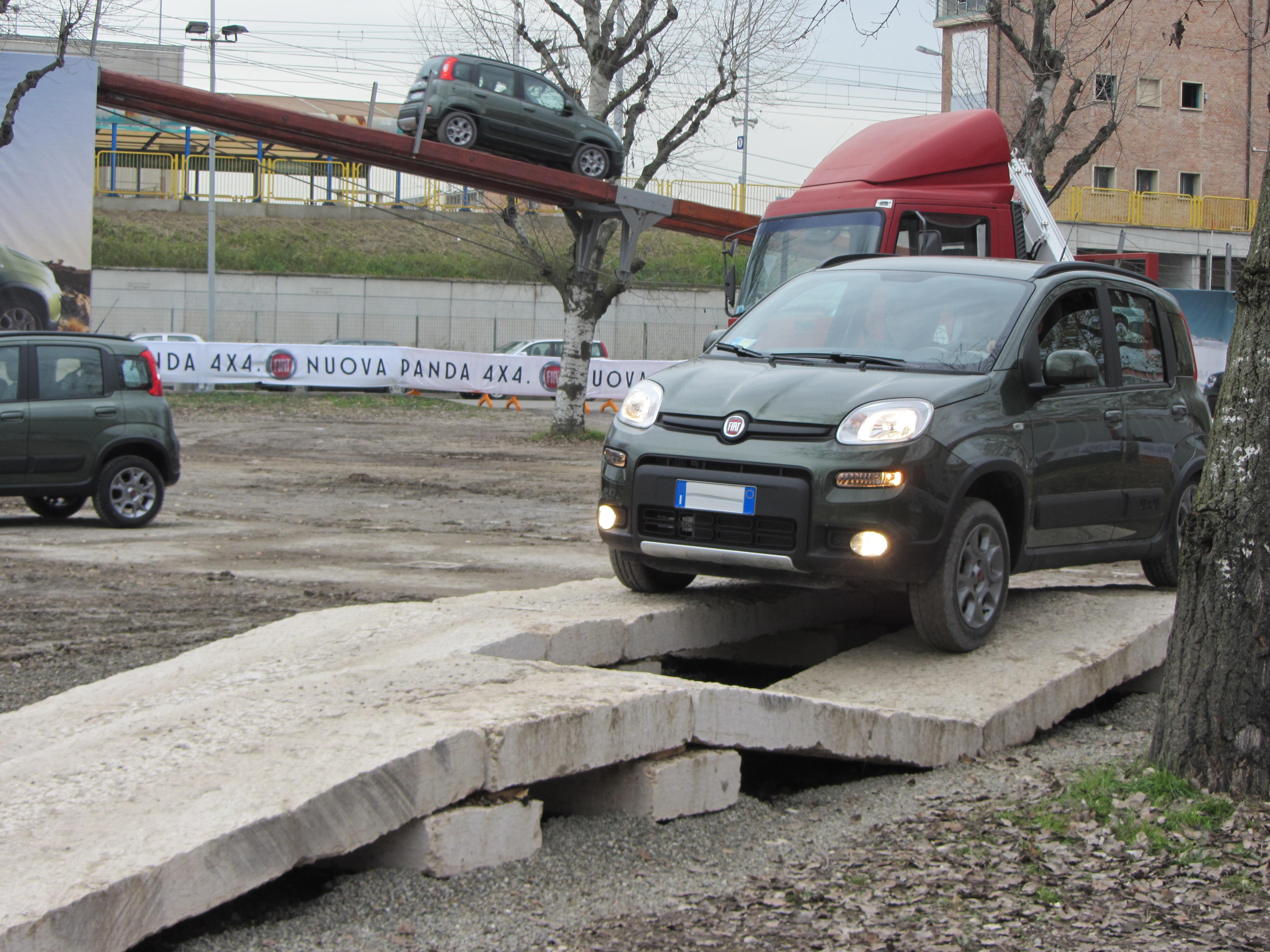 File 12 Italy Fiat Panda 4x4 Off Road Drive Motorshow Di Bologna 012 Jpg Wikimedia Commons
