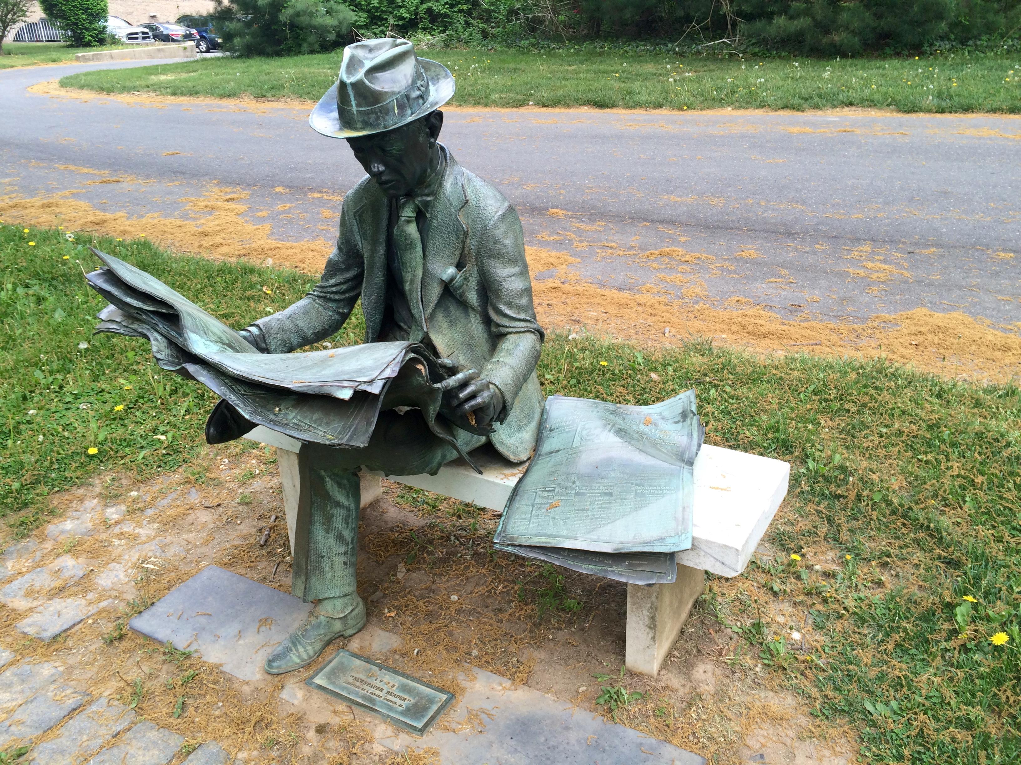 File 39 39 newspaper reader 39 39 by j seward johnson jr 1975 for John seward johnson i
