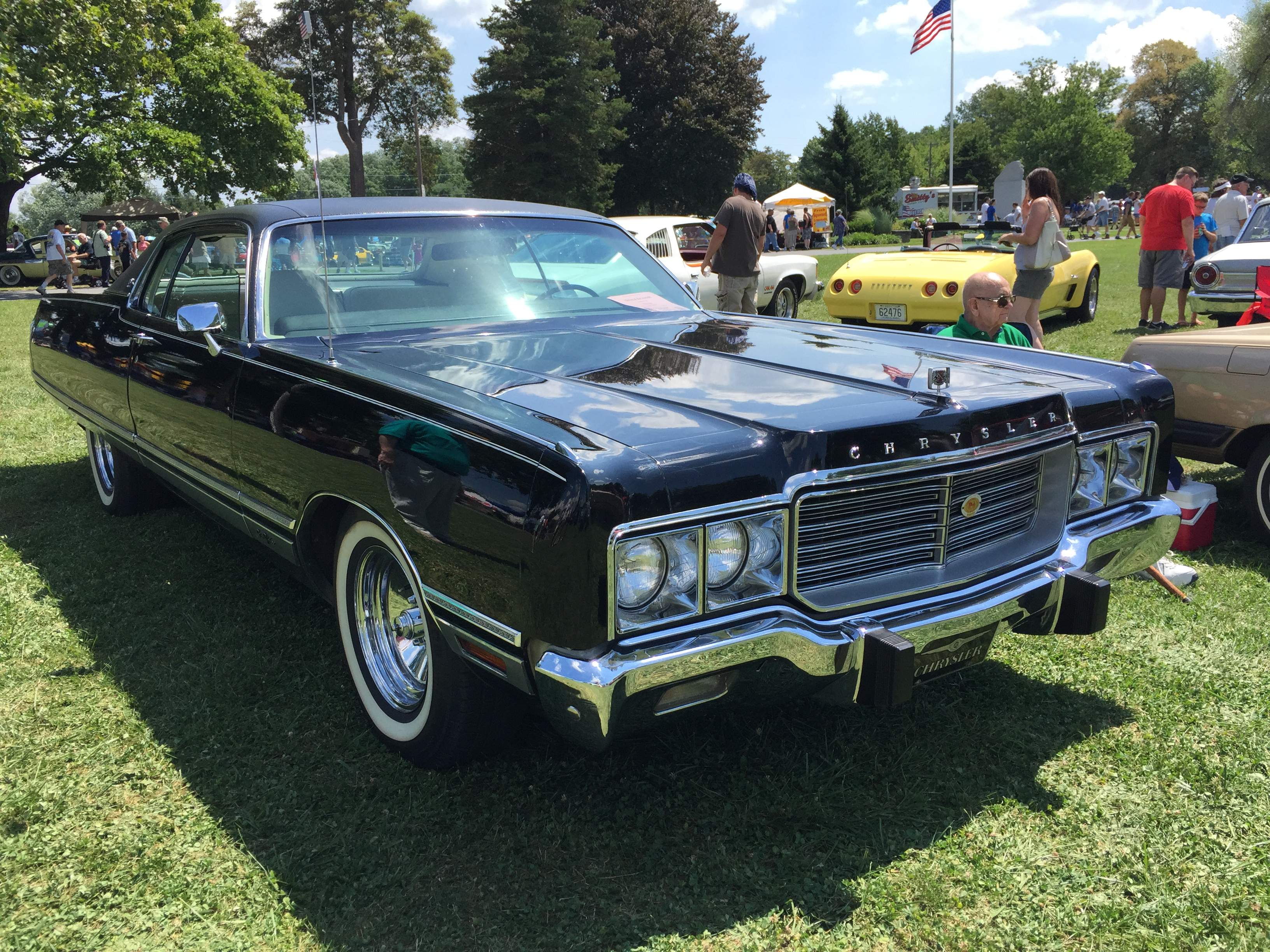 file 1973 chrysler new yorker two door hardtop at 2015 macungie show wikimedia commons. Black Bedroom Furniture Sets. Home Design Ideas