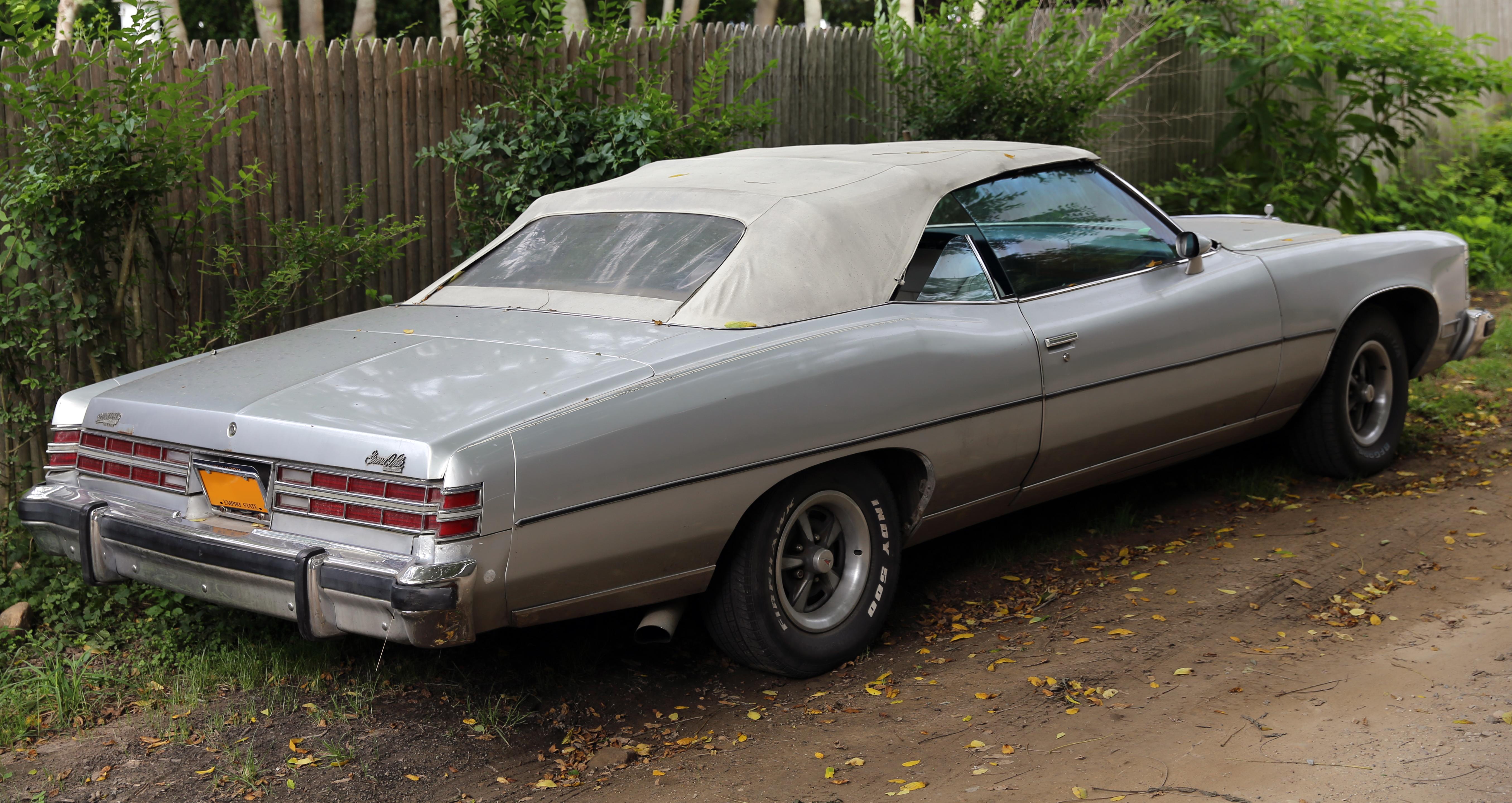 File 1975 pontiac grand ville convertible rear right jpg wikimedia commons
