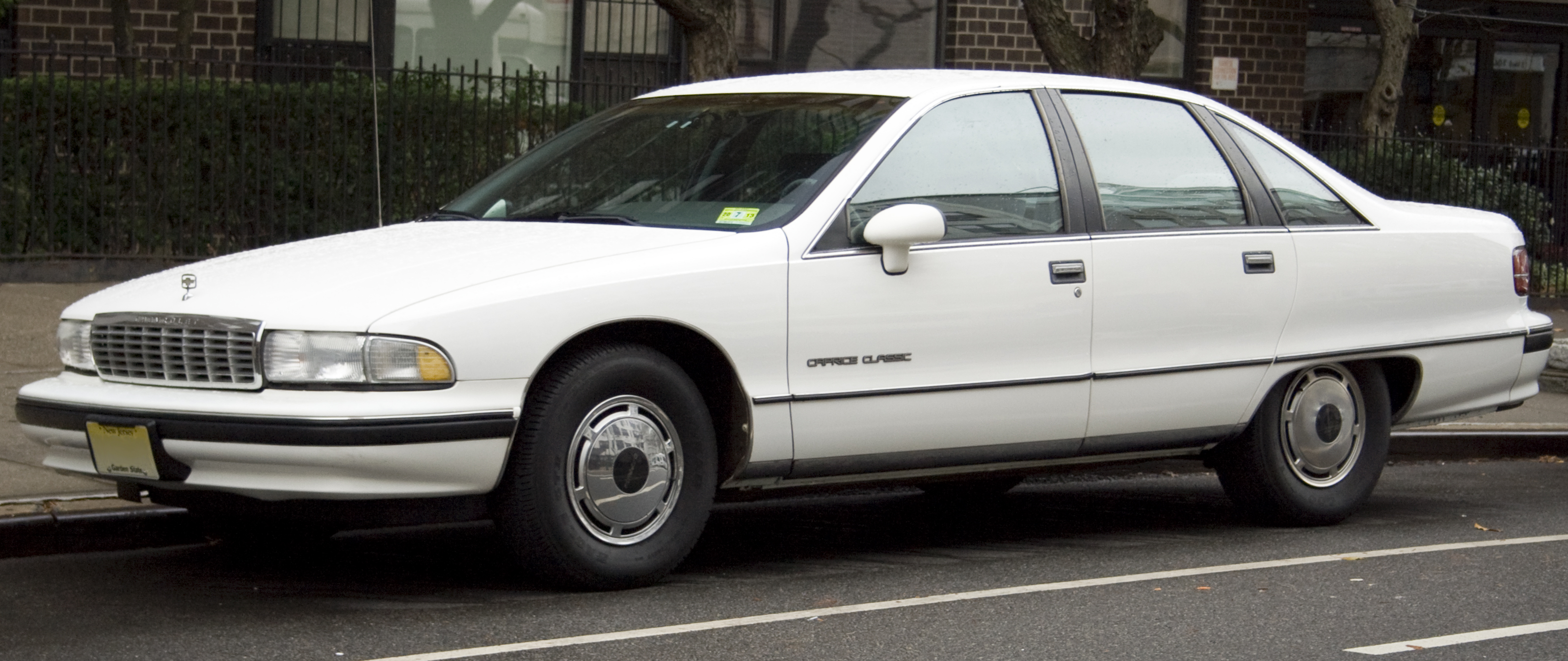 File:1991 Chevrolet Caprice Classic.jpg  Wikimedia Commons