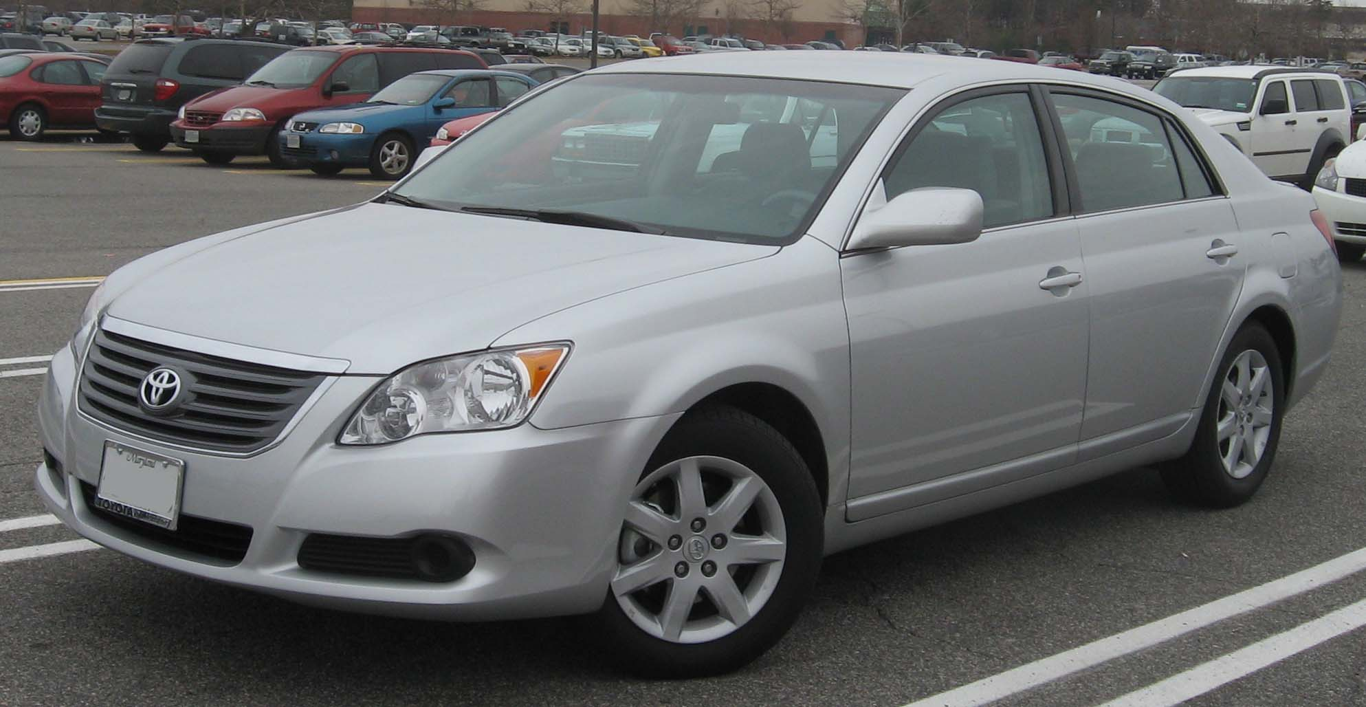 File:2008 Toyota Avalon XL.jpg - Wikimedia Commons