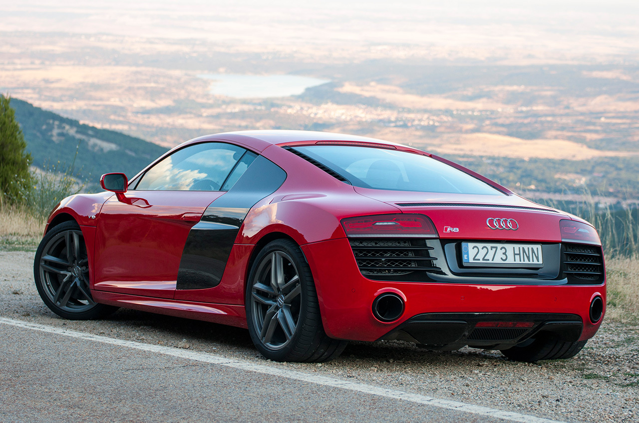 Plik 2013 Red Audi R8 V10 Coupe In Spain 11089737186 Jpg
