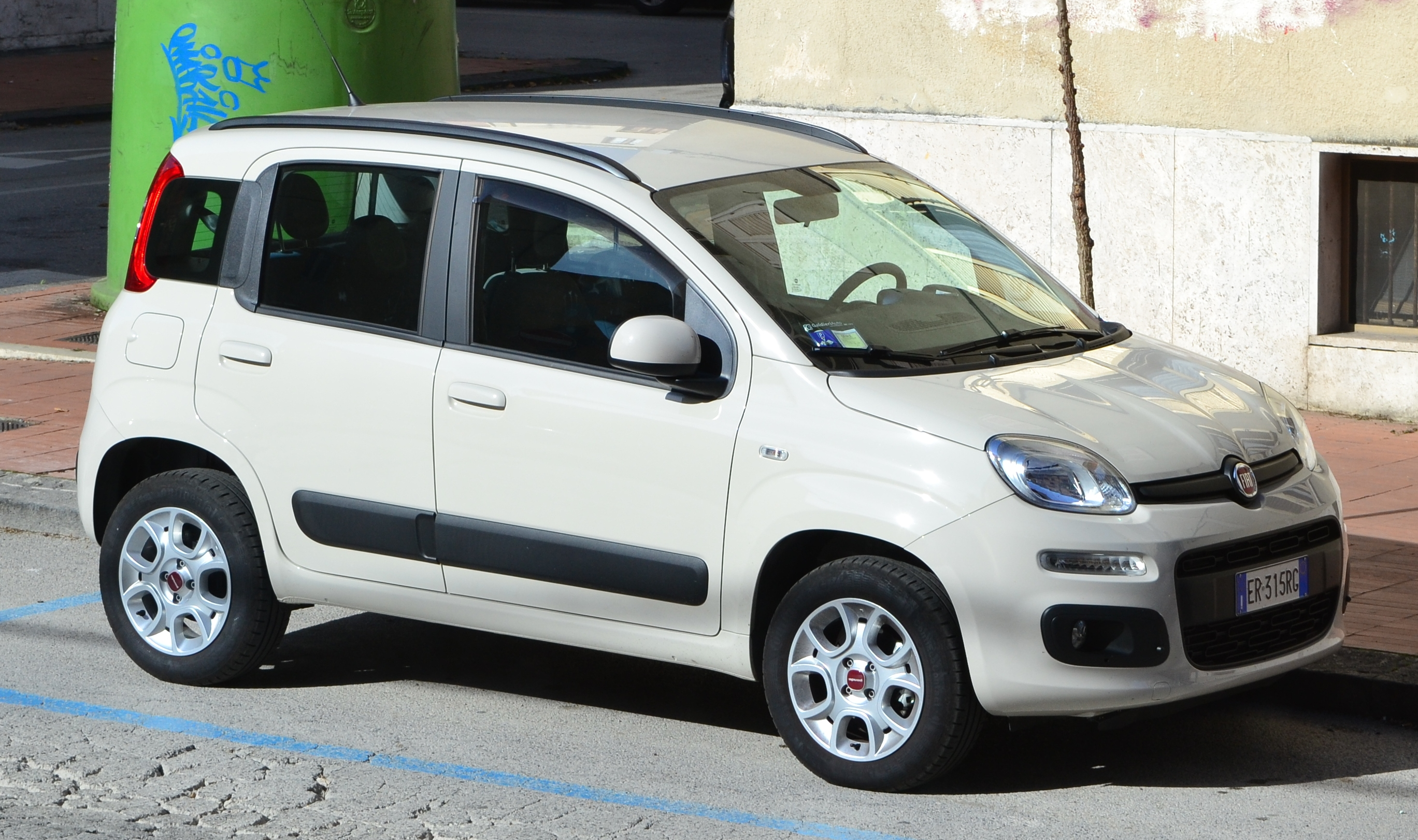 2014 fiat panda iii 0 9t natural. Black Bedroom Furniture Sets. Home Design Ideas