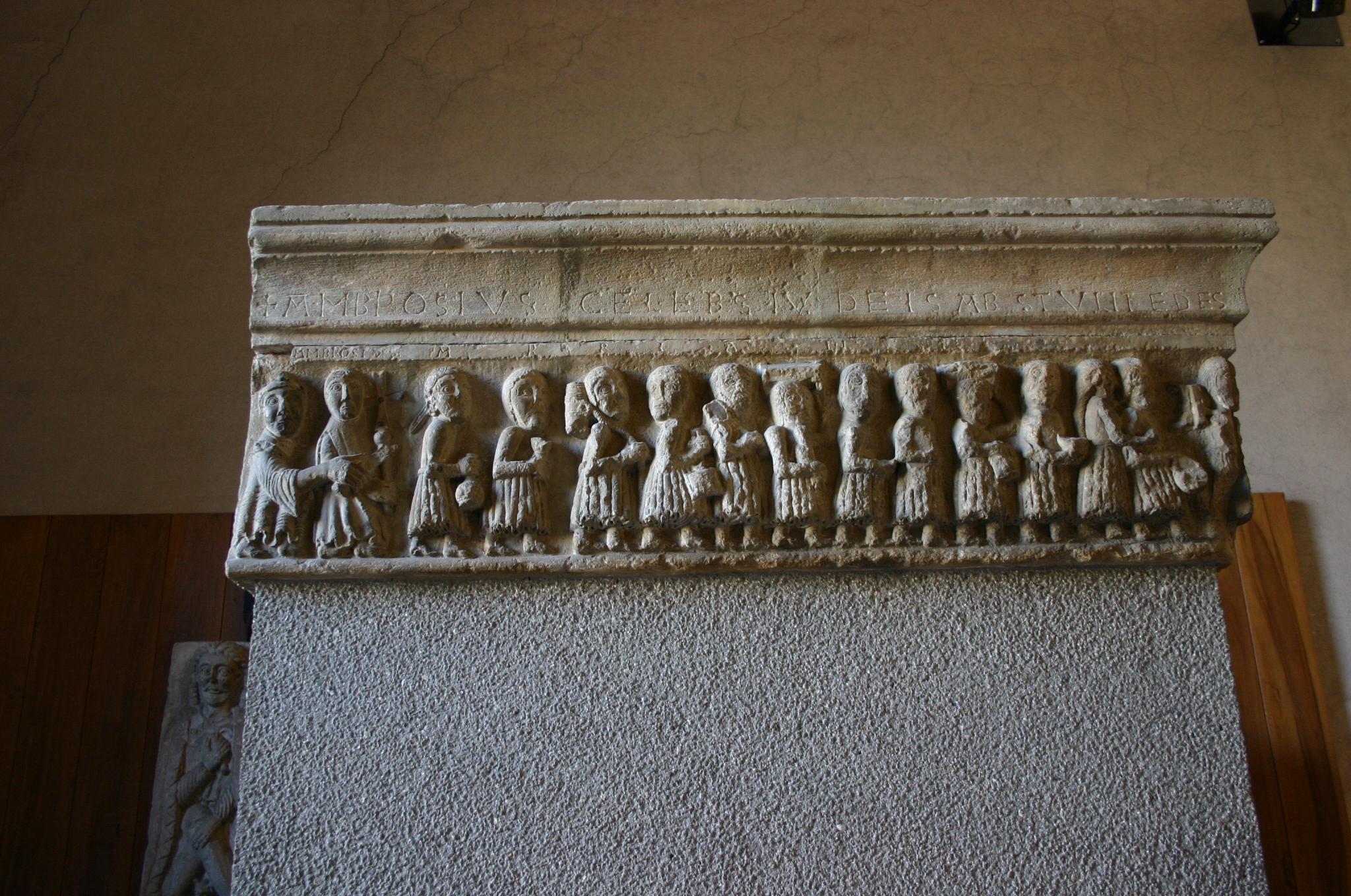 File 2124 milano castello sforzesco fregio di porta - Autoscuola porta romana milano ...