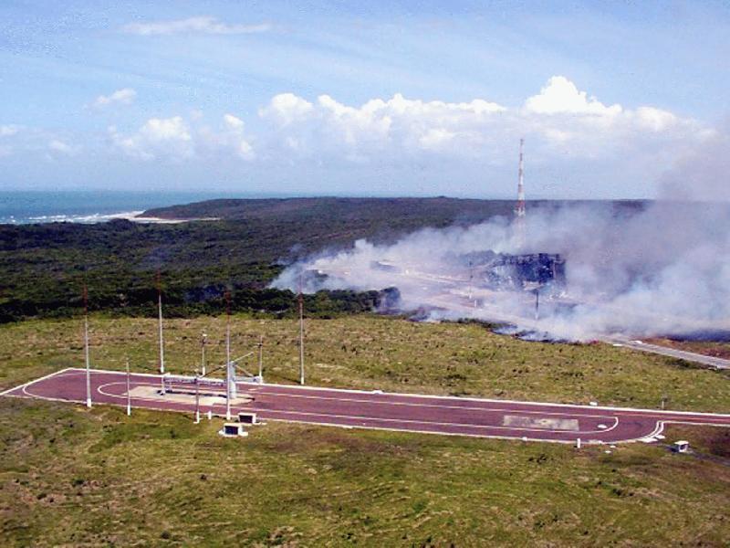 Aftermath of the VLS-1 V03 explosion, 20 February 2013, 00:09:41 (GMT-3)Source: AEB - Agencia Espacial Brasileira Acidente_de_Alcantara-02.jpg