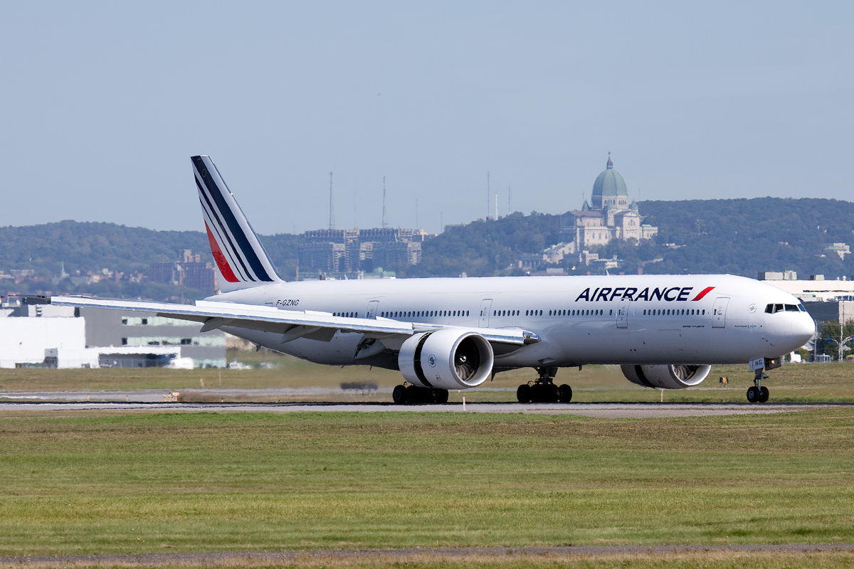 File airfrance boeing777 300er yul wikimedia for Interieur boeing 777 300er air france