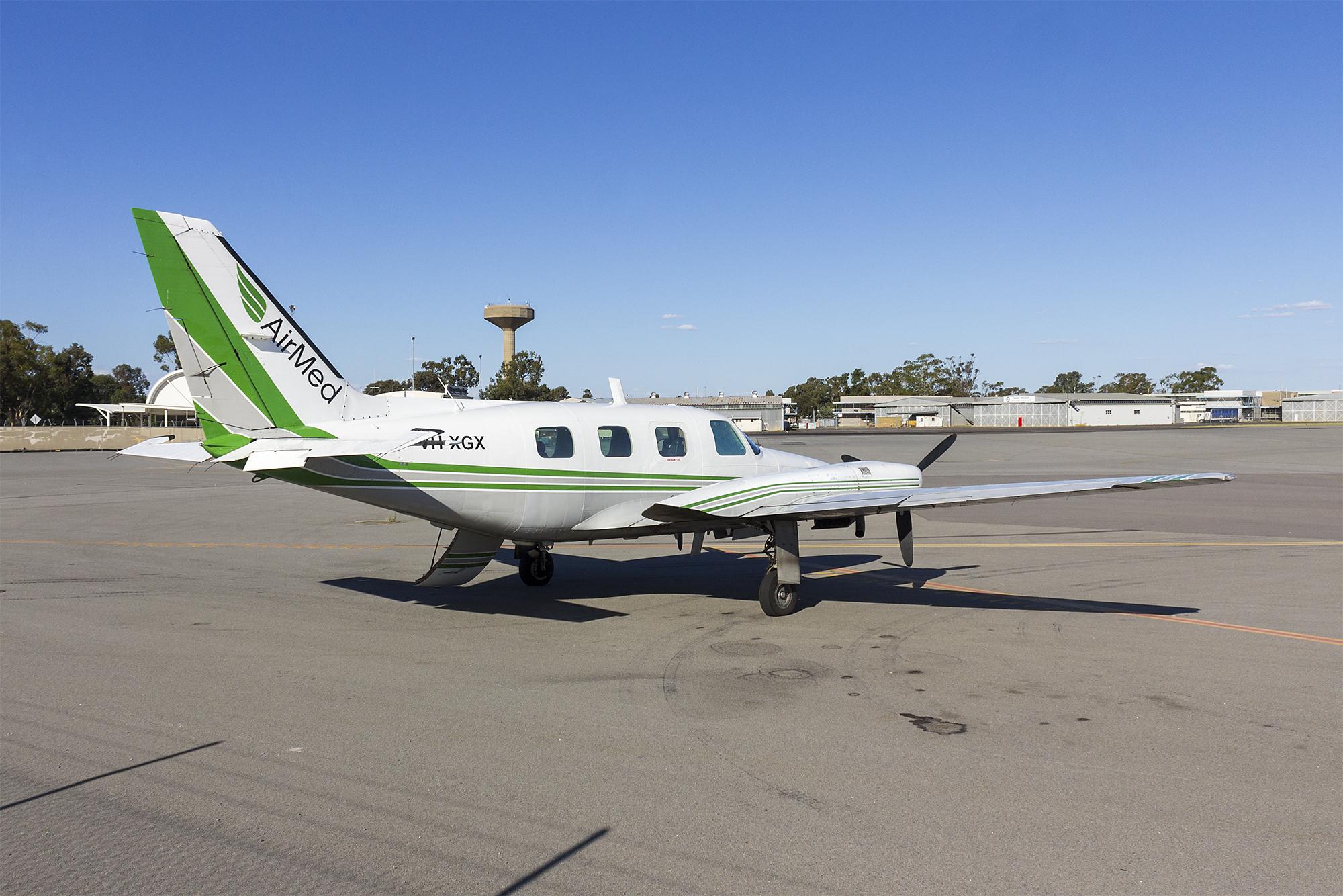 File:Airmed Australia (VH-XGX) Piper PA-31P-350 Chieftain