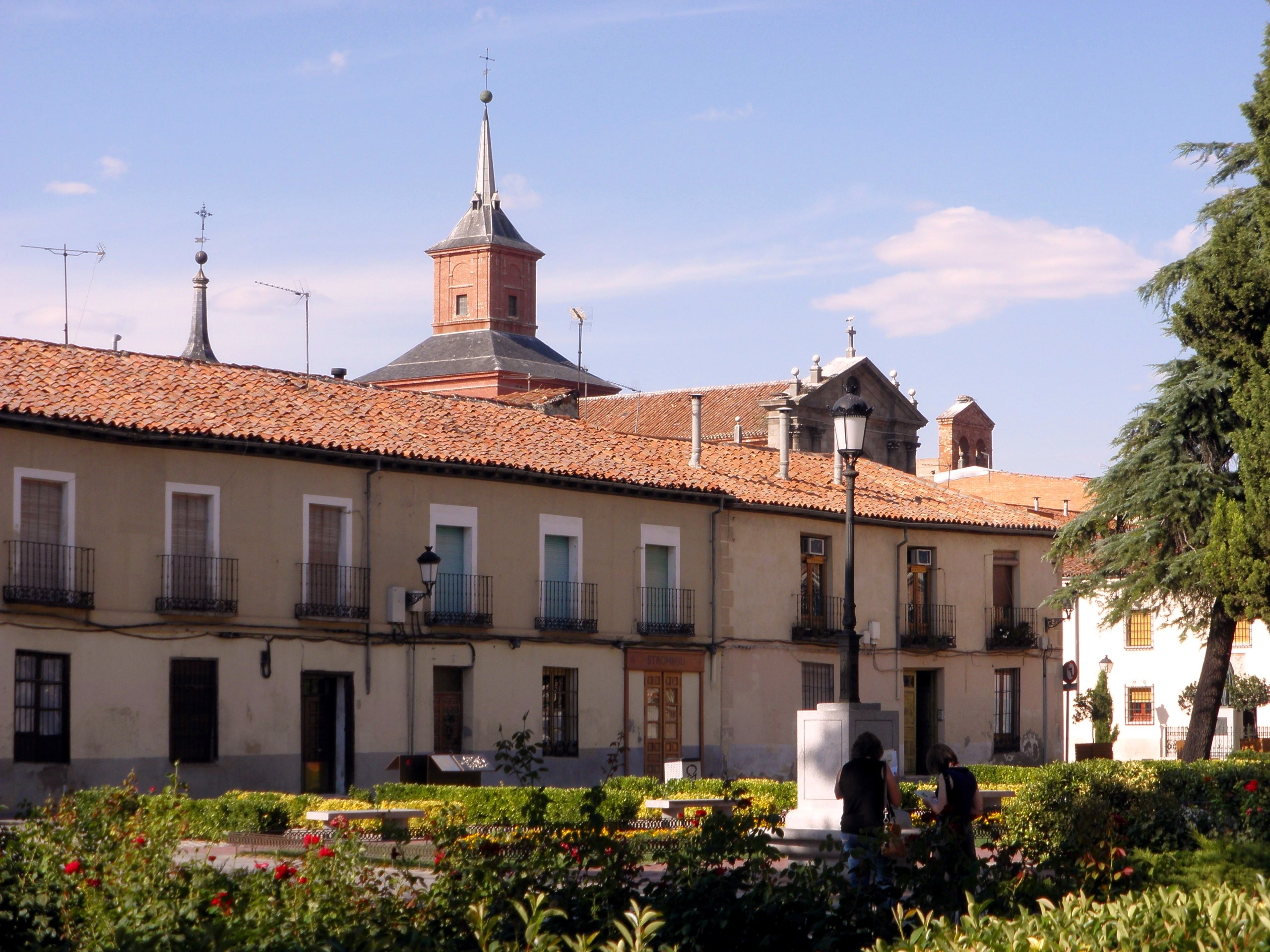 Alcala de henares spain pictures and videos and news - Pintores alcala de henares ...