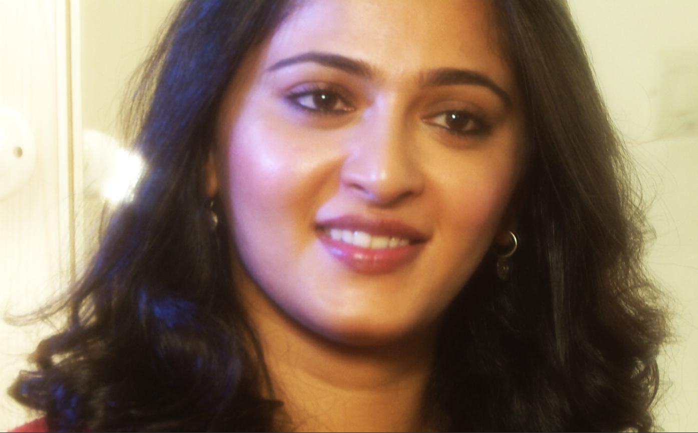 File:Anushka Shetty - TeachAIDS Interview.png - Wikimedia Commons