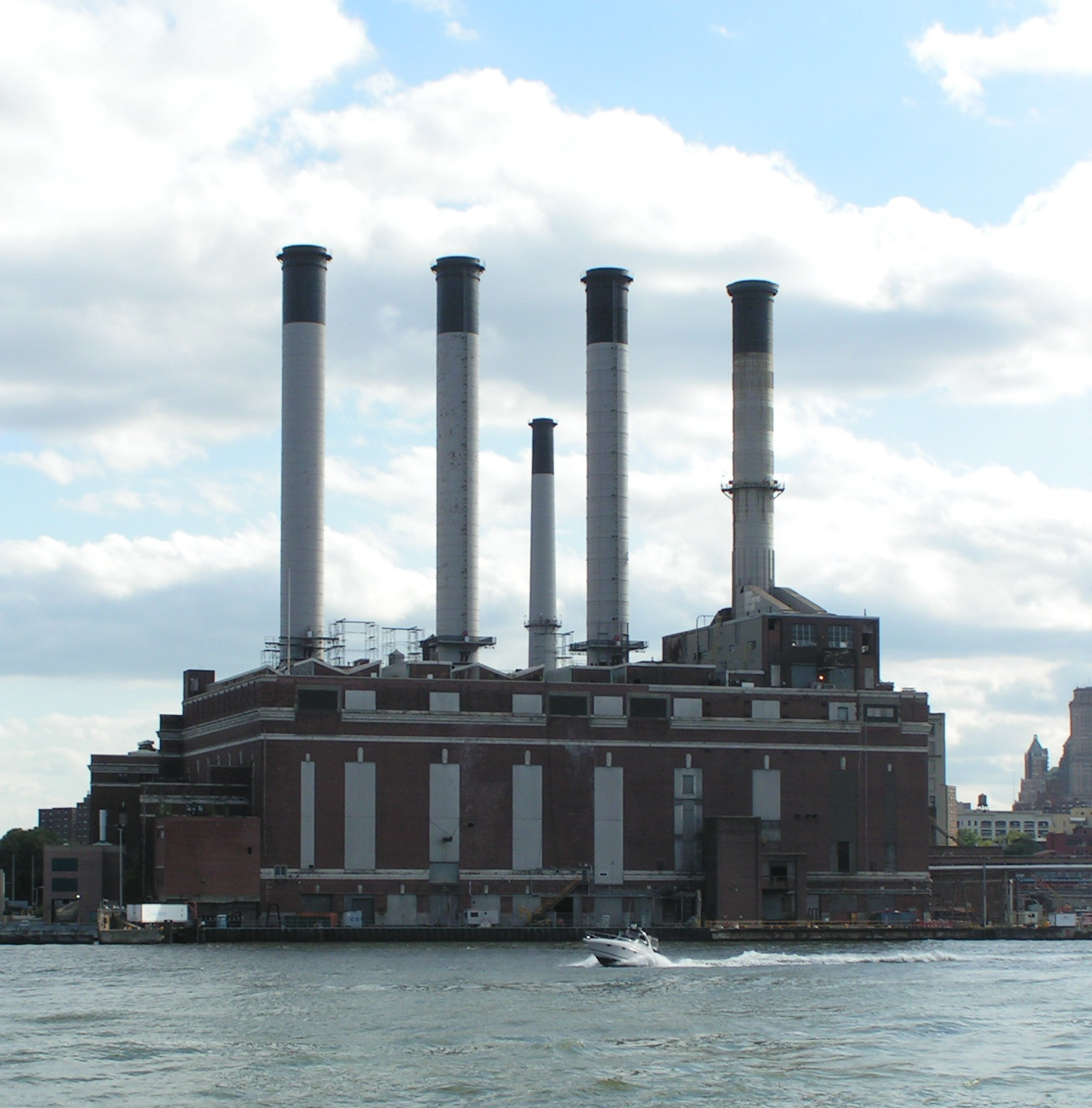 File Brooklyn Navy Yard Cogeneration Station Wikimedia mons