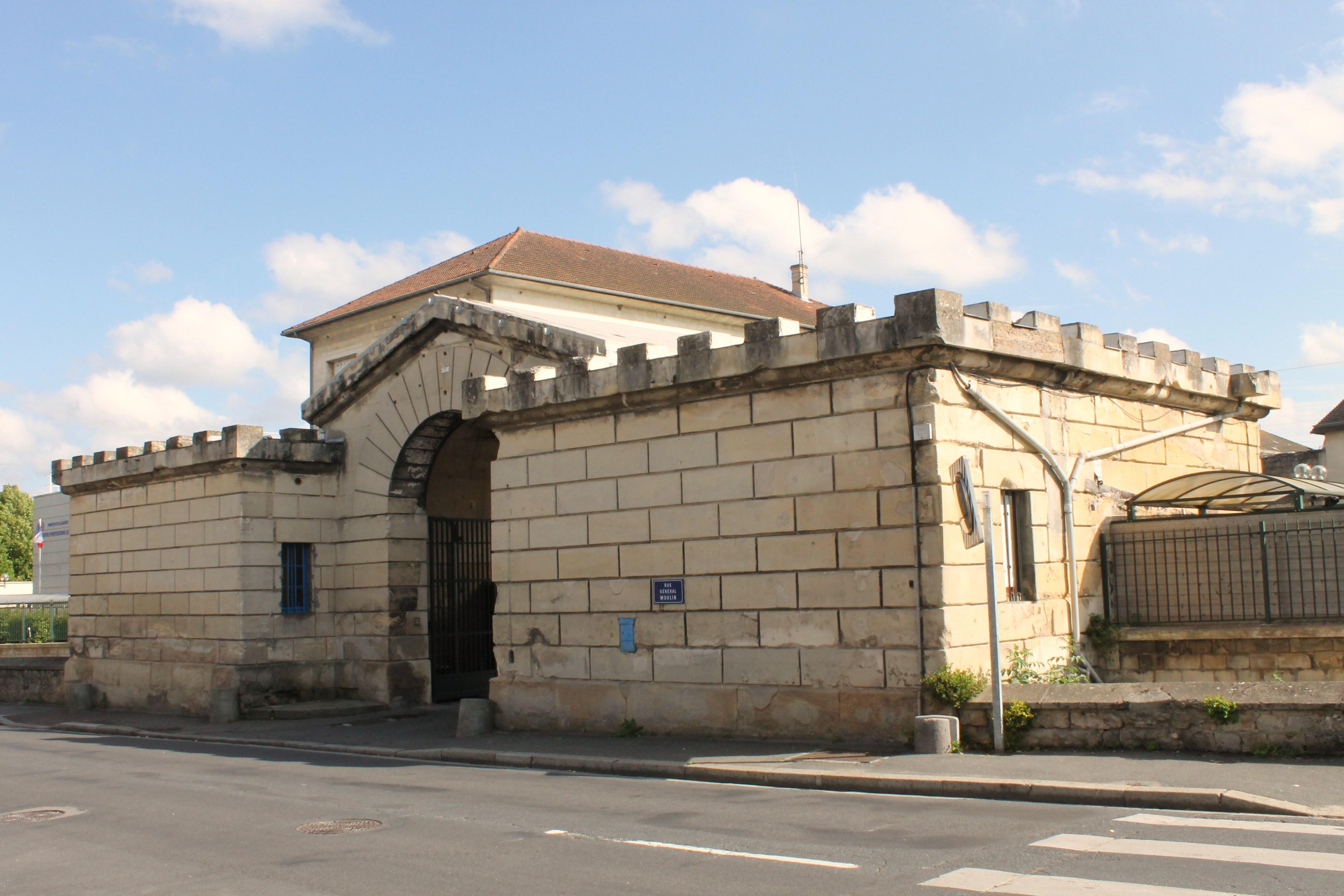 Centre pénitentiaire de Caen — Wikipédia