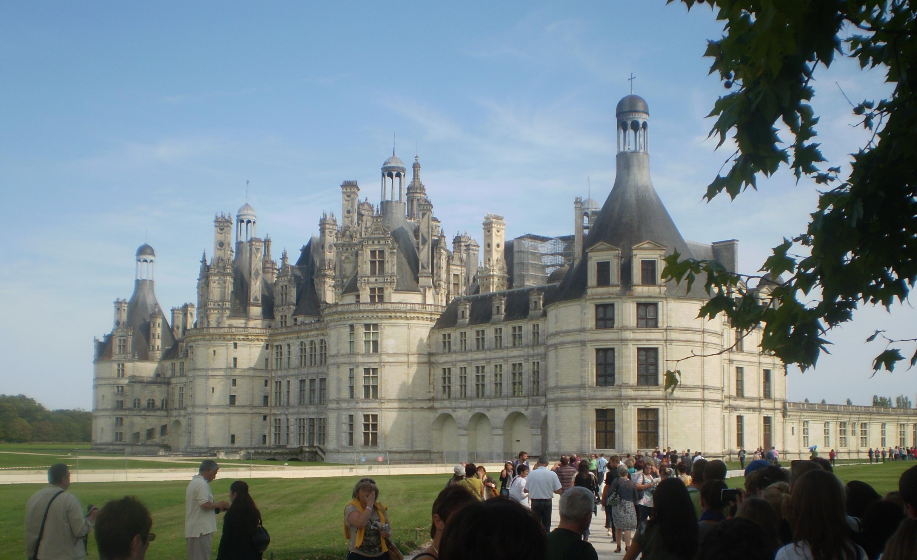 Dvorci koje verovatno nikada nećete posedovati - Page 6 Castle_in_Chambord