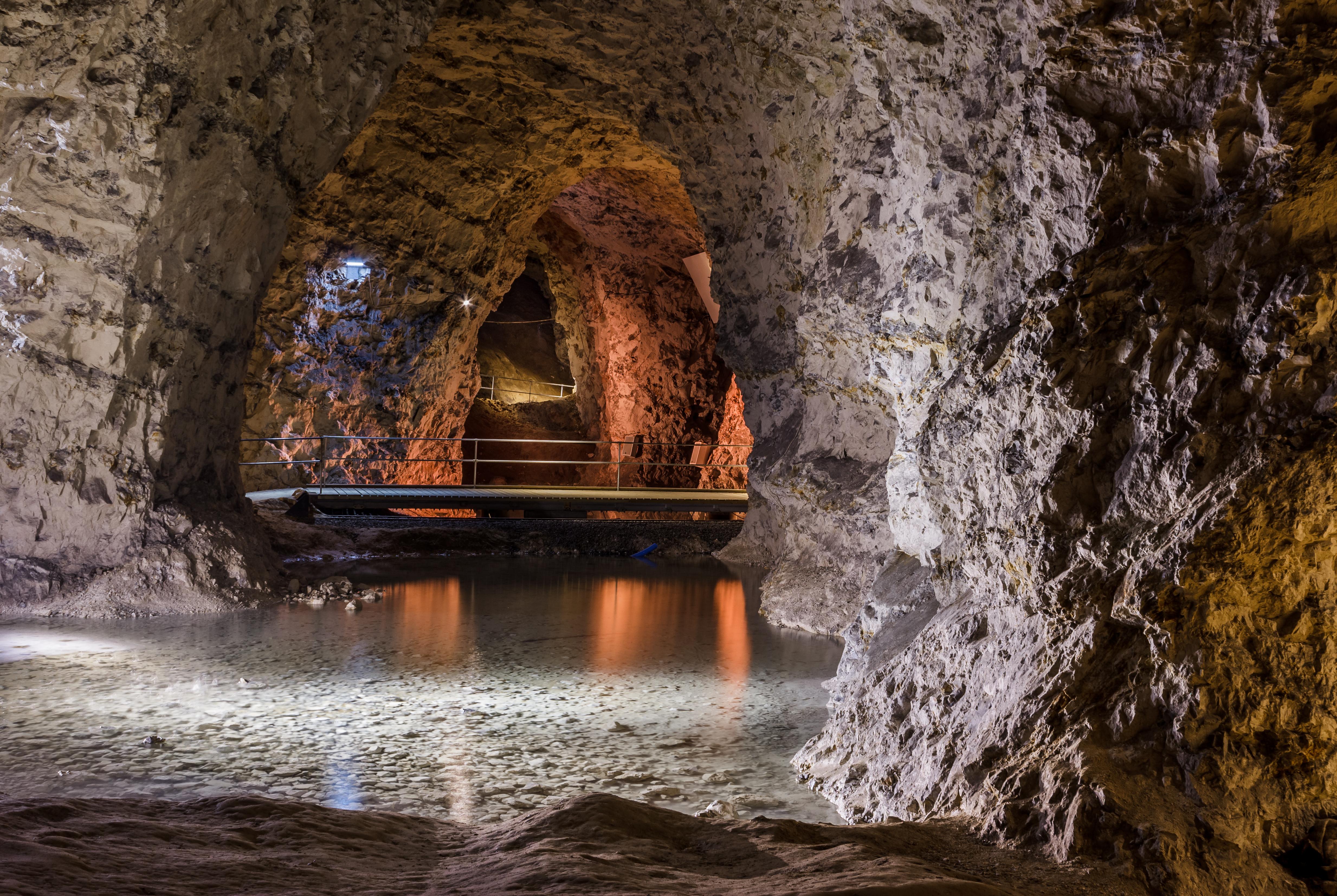 File:Caves in Mønsted Limestone Mines 2017-04-15 7222 jpg