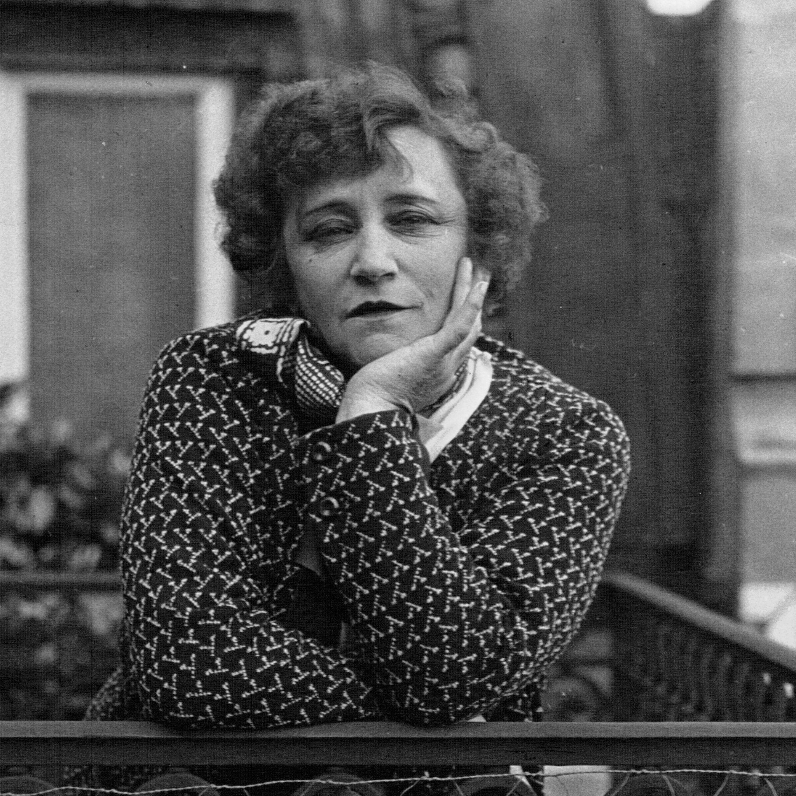 File:Colette 1932 (2).jpg
