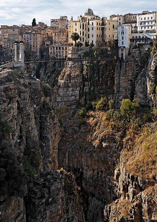 مدينة الجسور المعلقة...!! Constantine_Algeria.