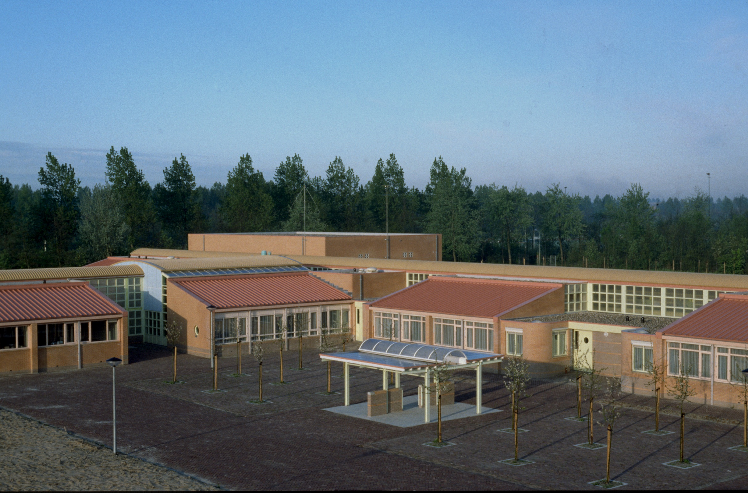 File:Correctional Boarding School Heerhugowaard.jpg - Wikimedia Commons