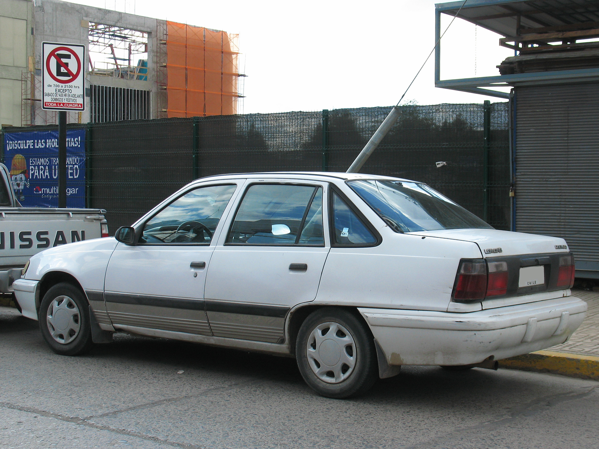 File:Daewoo Lemans 1.5 1994 (9521528026).jpg - Wikimedia Commons