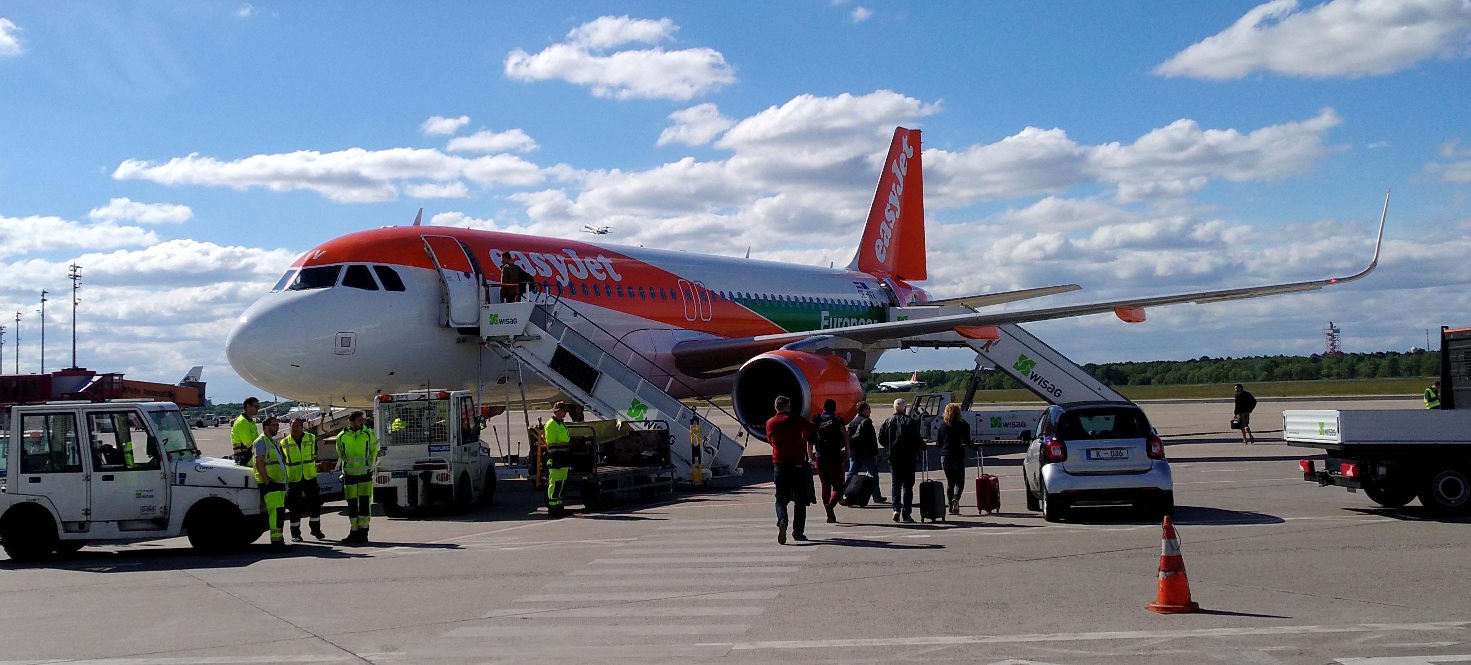 Bildresultat för tegel airport easyjet
