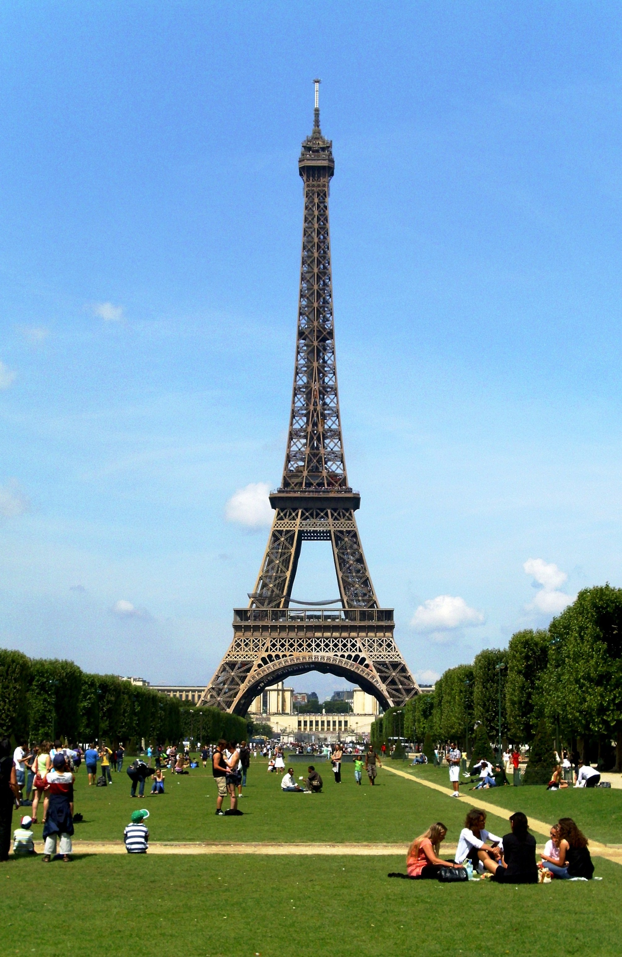 the history of the eiffel tower in paris france Ever wondered the history behind the eiffel tower well here it is - the story behind the eiffel tower in one skinny blog read now.