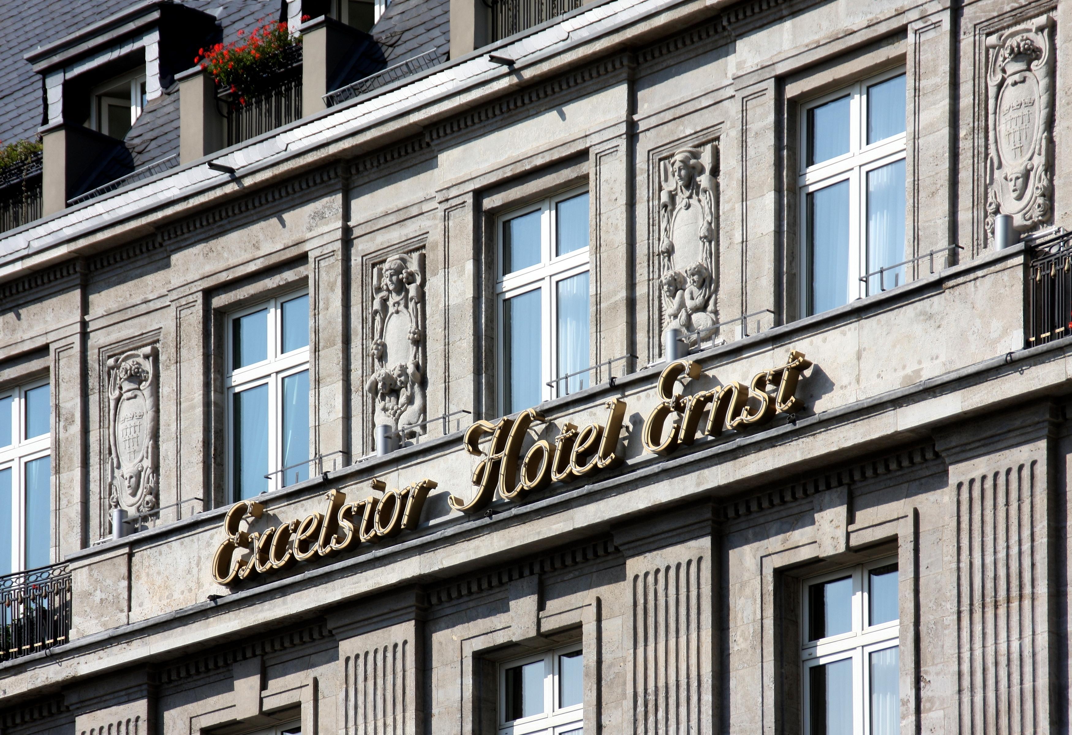 Excelsior Hotel Koln Teatime