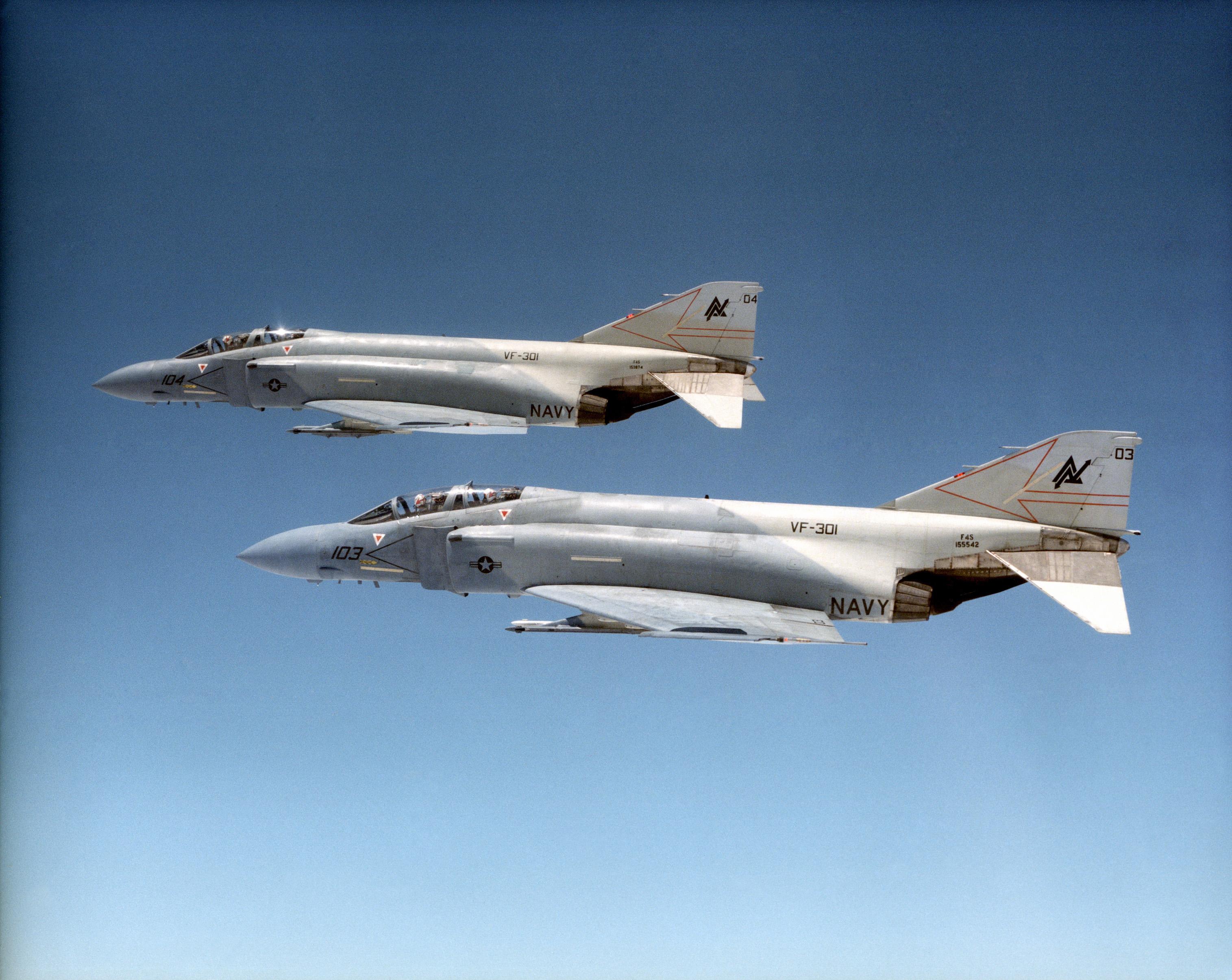 File:F-4 Phantom II VF-301.jpg - Wikimedia Commons