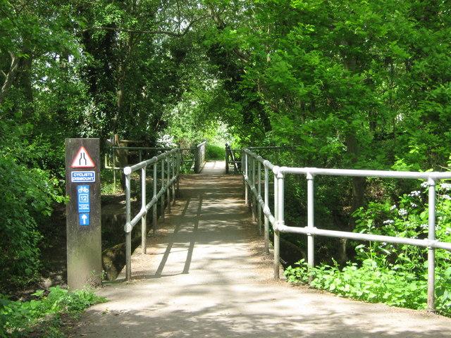 Footbridges in Haysden Country Park - geograph.org.uk - 1297858