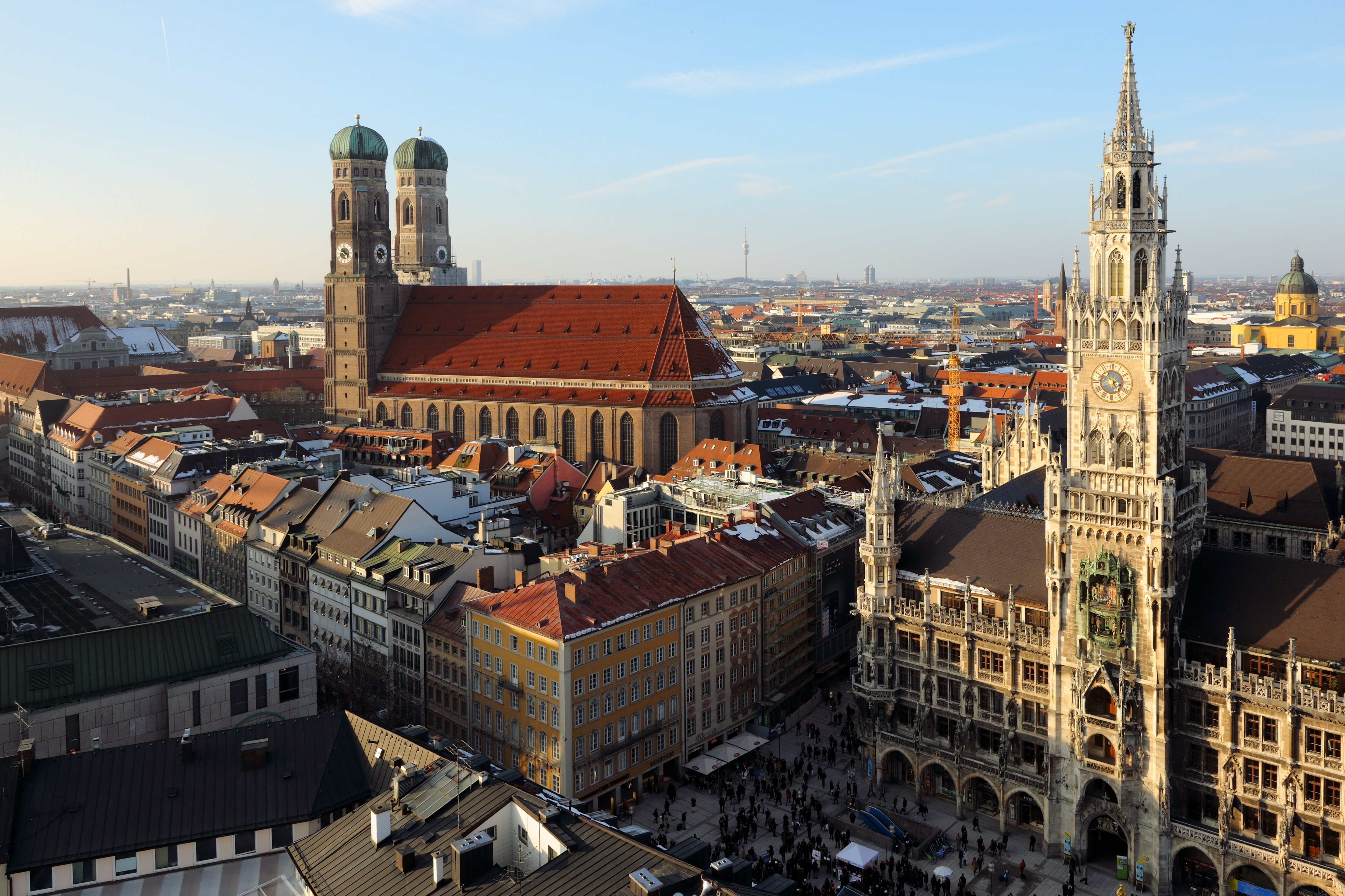 File Frauenkirche And Neues Rathaus Munich March 2013 JPG