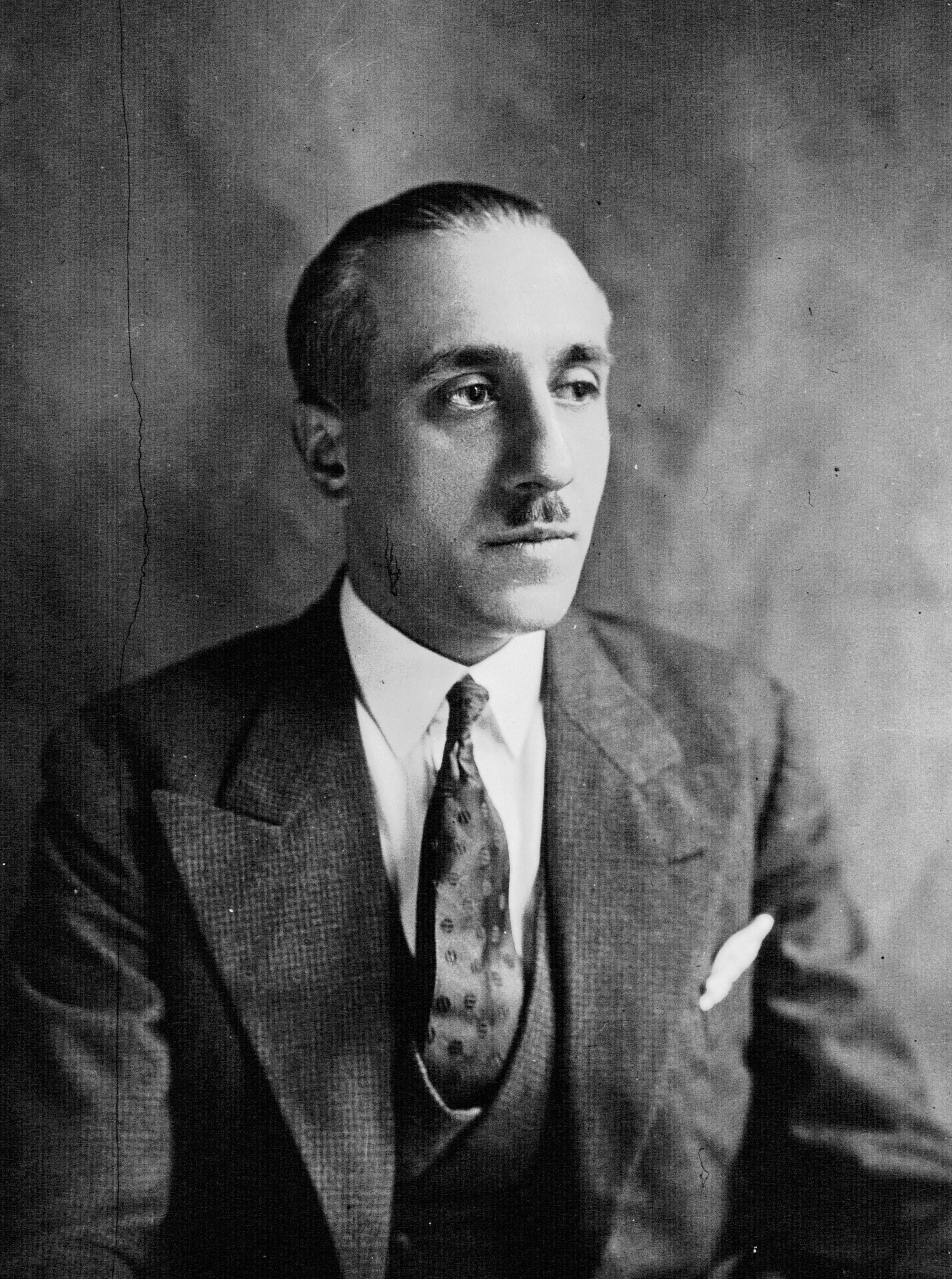 File:Gabriel Péri 1932.jpg
