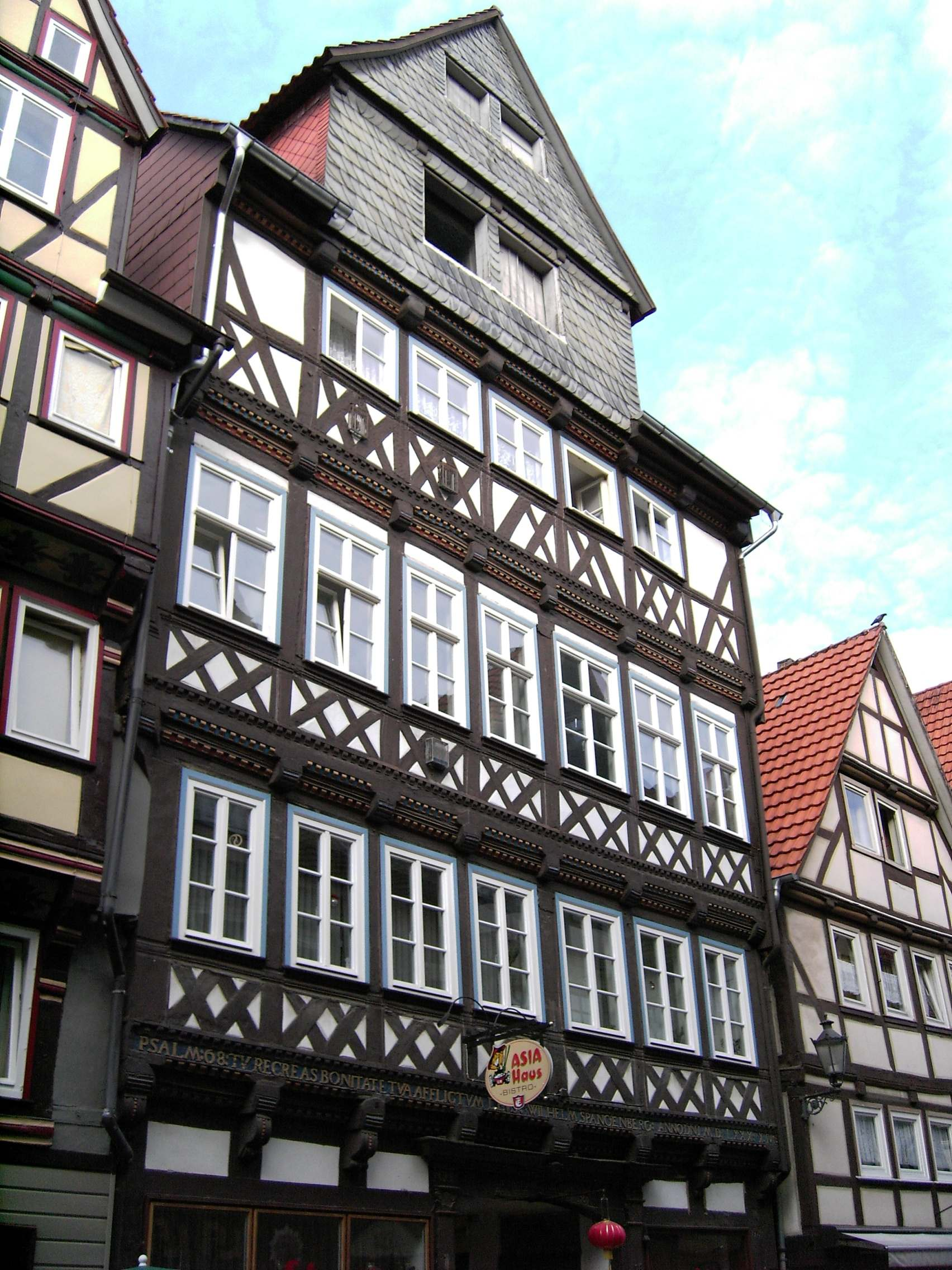 Datei:Hann. Münden-Timber.Framing-22-Marktstr.15-Tillyhaus.JPG ...