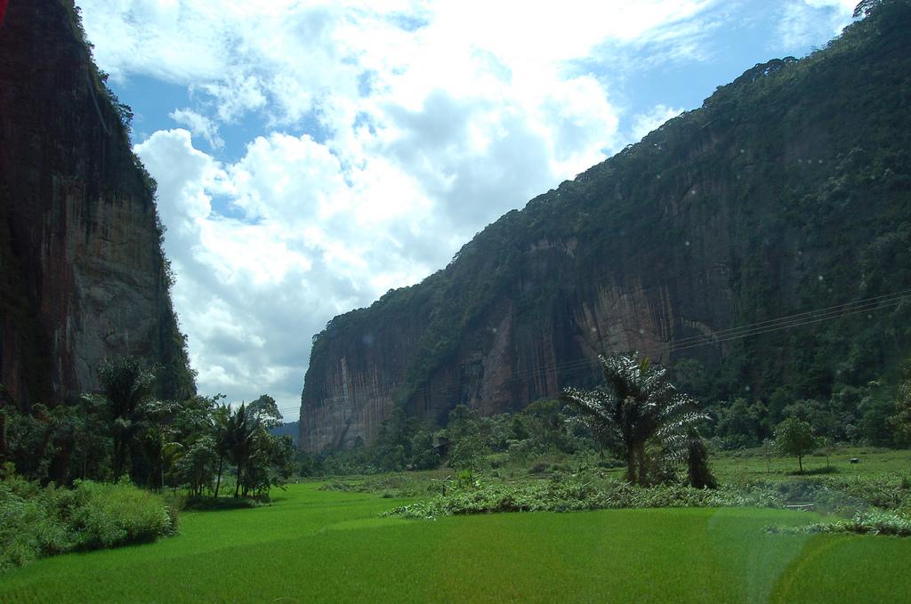 File Harau valley jpg ...