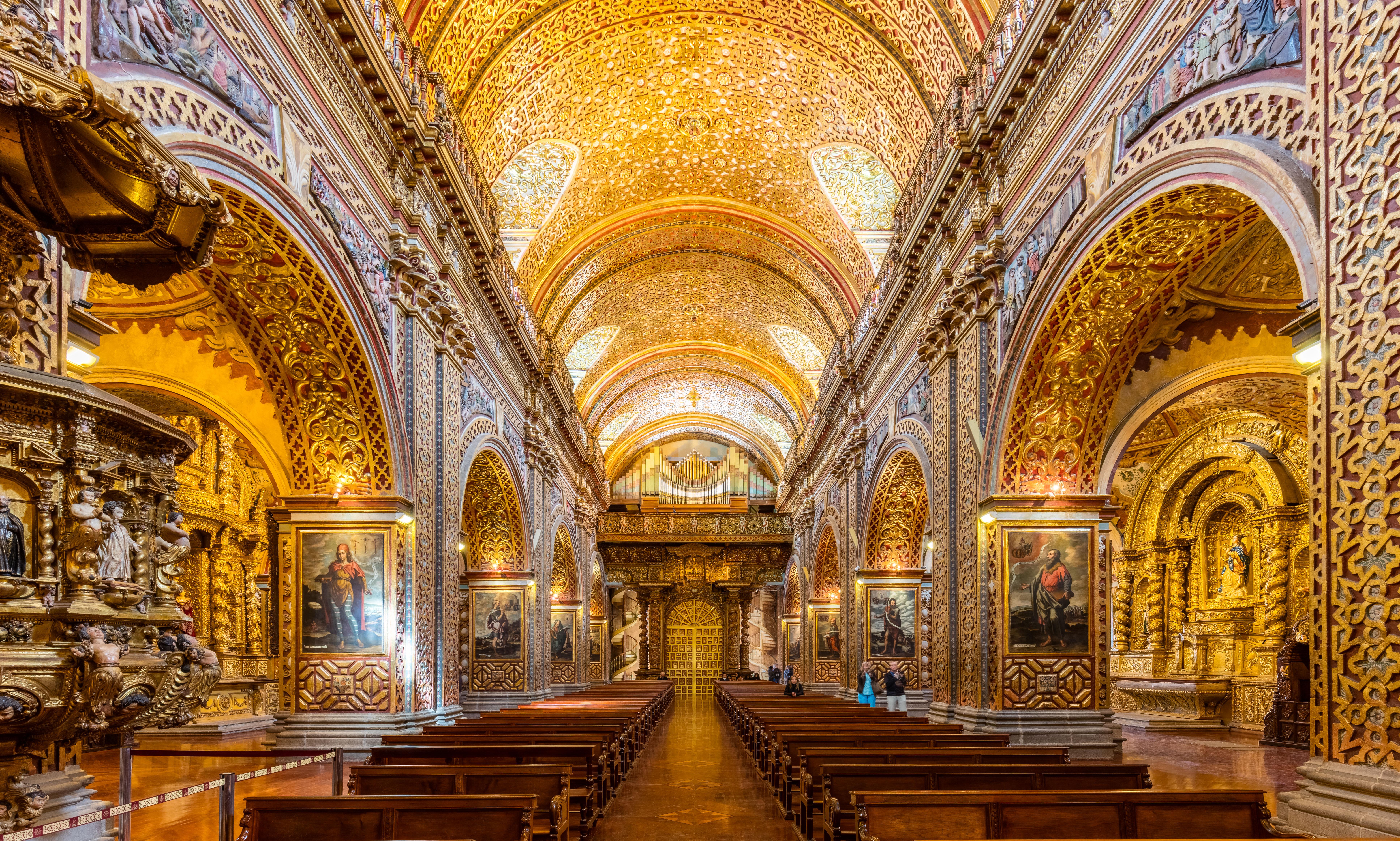 La Iglesia De La Compañía Una Joya Del Arte Barroco En: Equator & Prime Meridian, With Monuments