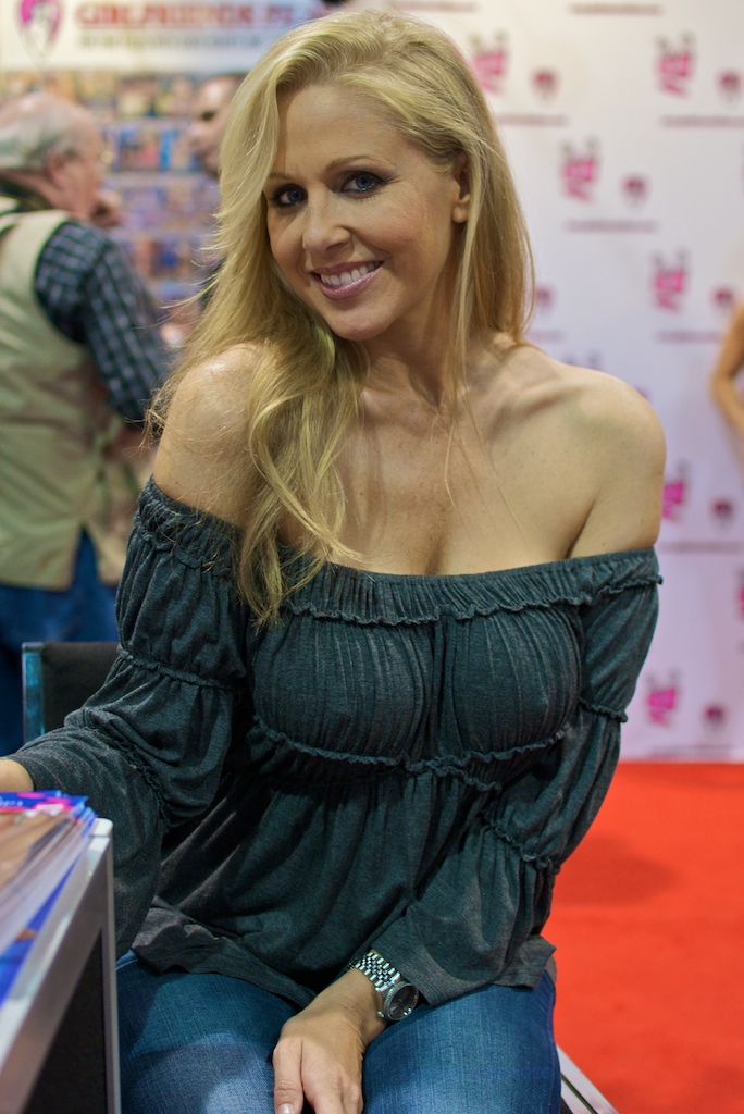 julia ann square