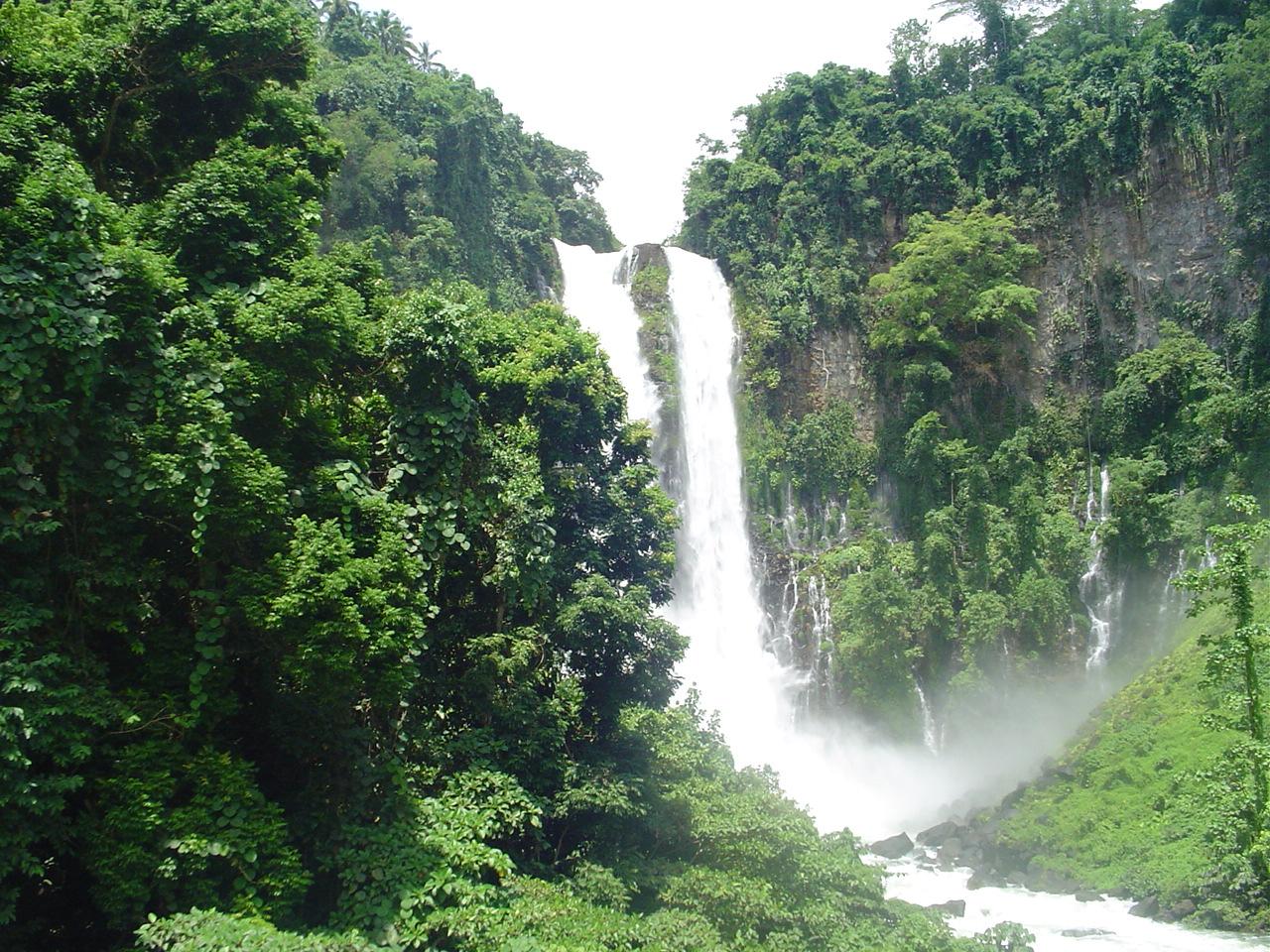 File:MariaCristinaFallsJuly2006.jpg - Wikimedia Commons