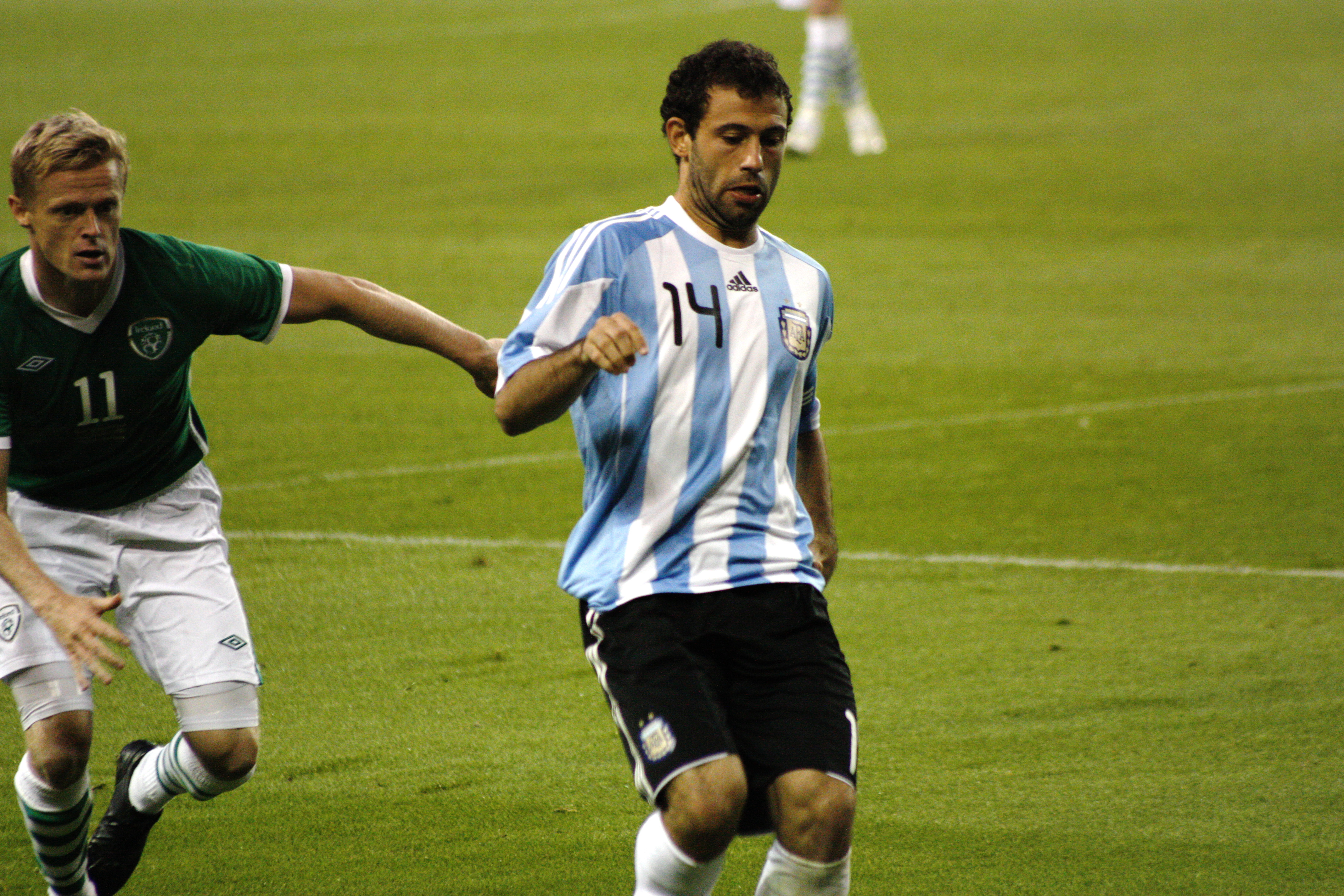 Mascherano and Duff.jpg