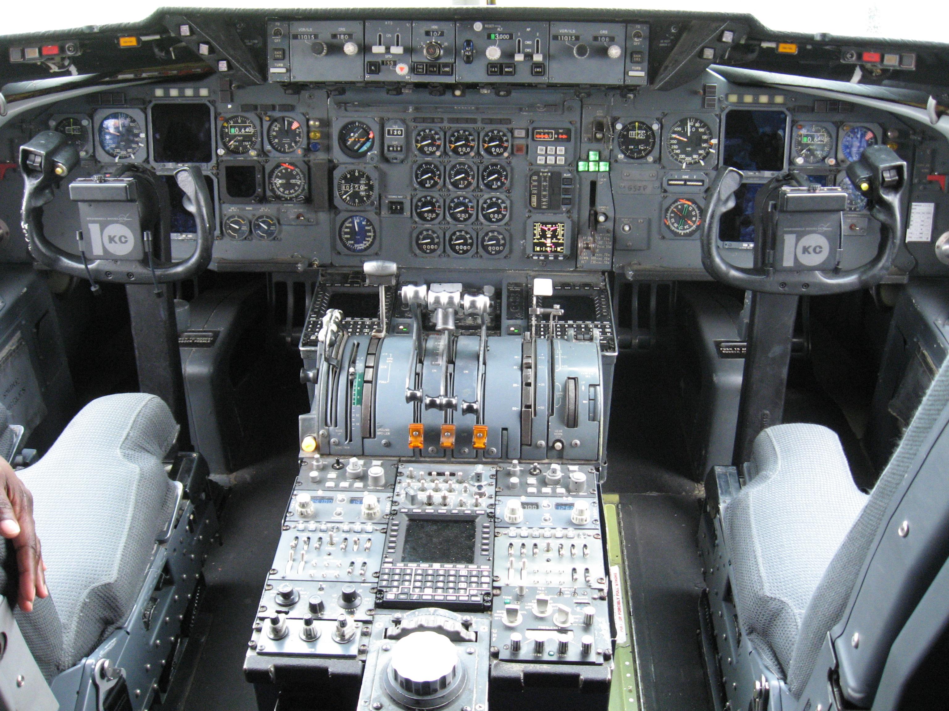 Kc 10 Extender Cockpit