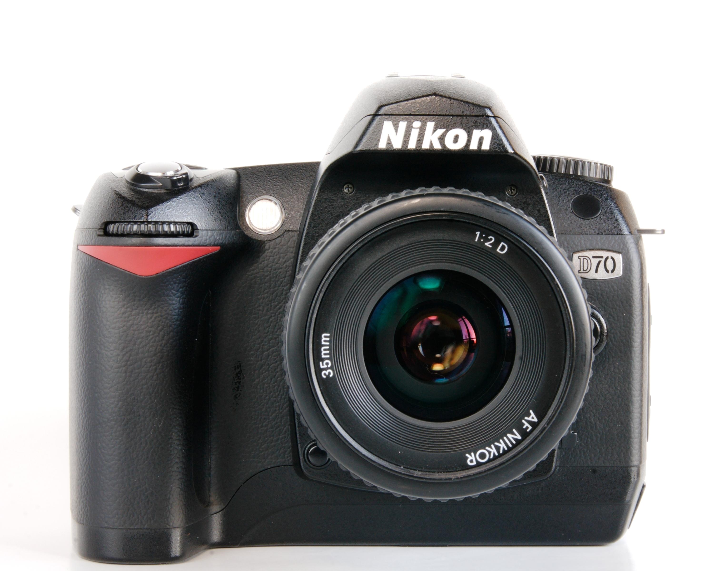File:Nikon D70 ... D70 Nikon