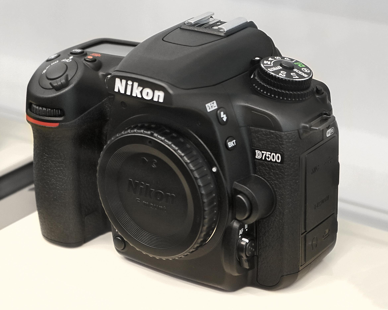 Nikon D7500 - Wikipedia