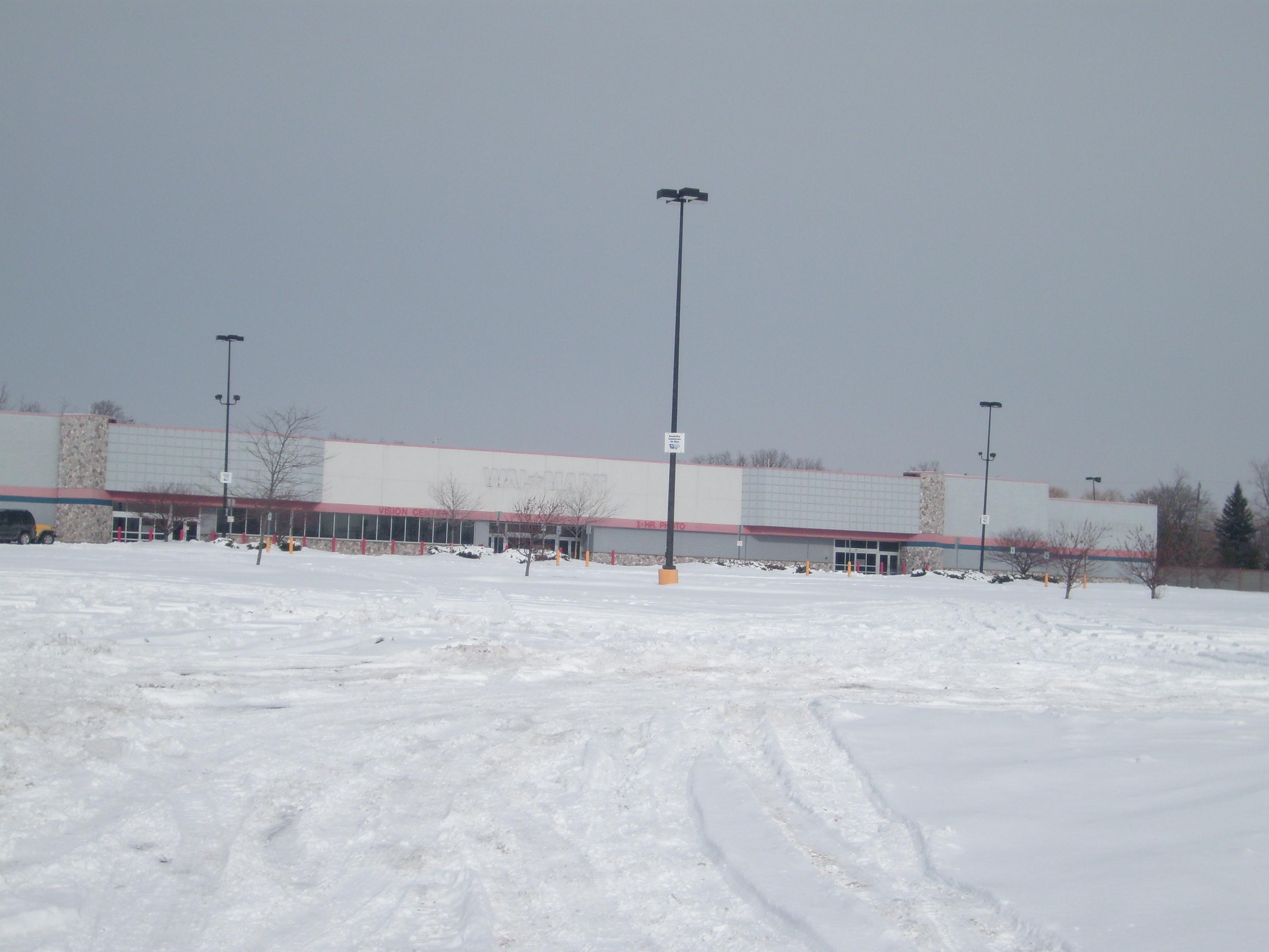 File Old Walmart Pontiac Mi Jpg Wikimedia Commons